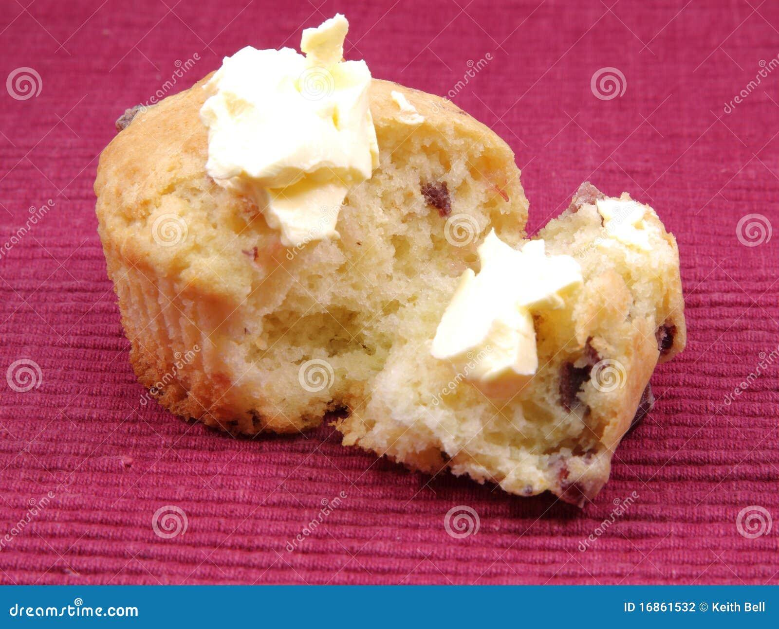 Queque alaranjado da airela com manteiga