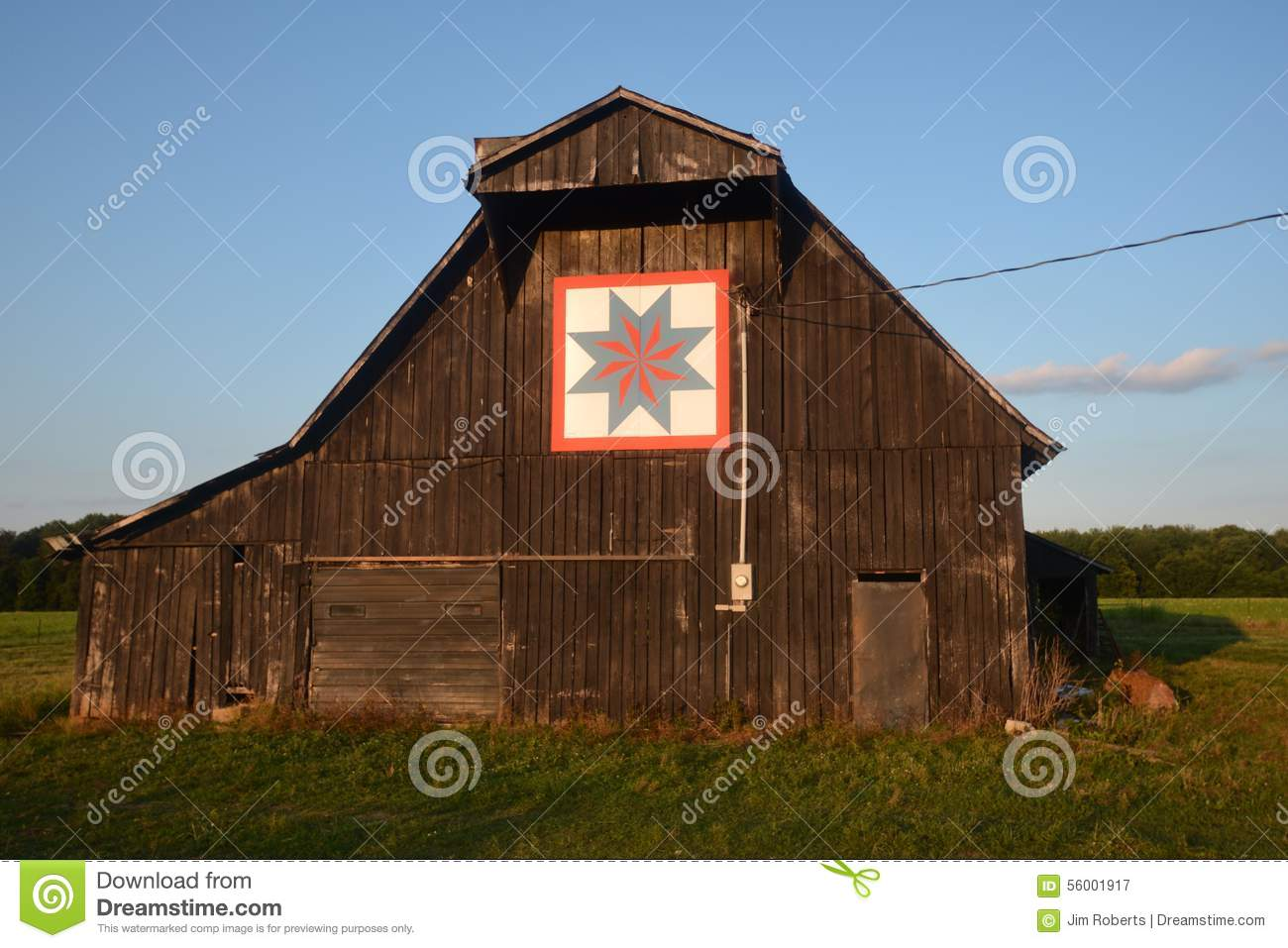 Quilt Pattern on Tobacco Barn