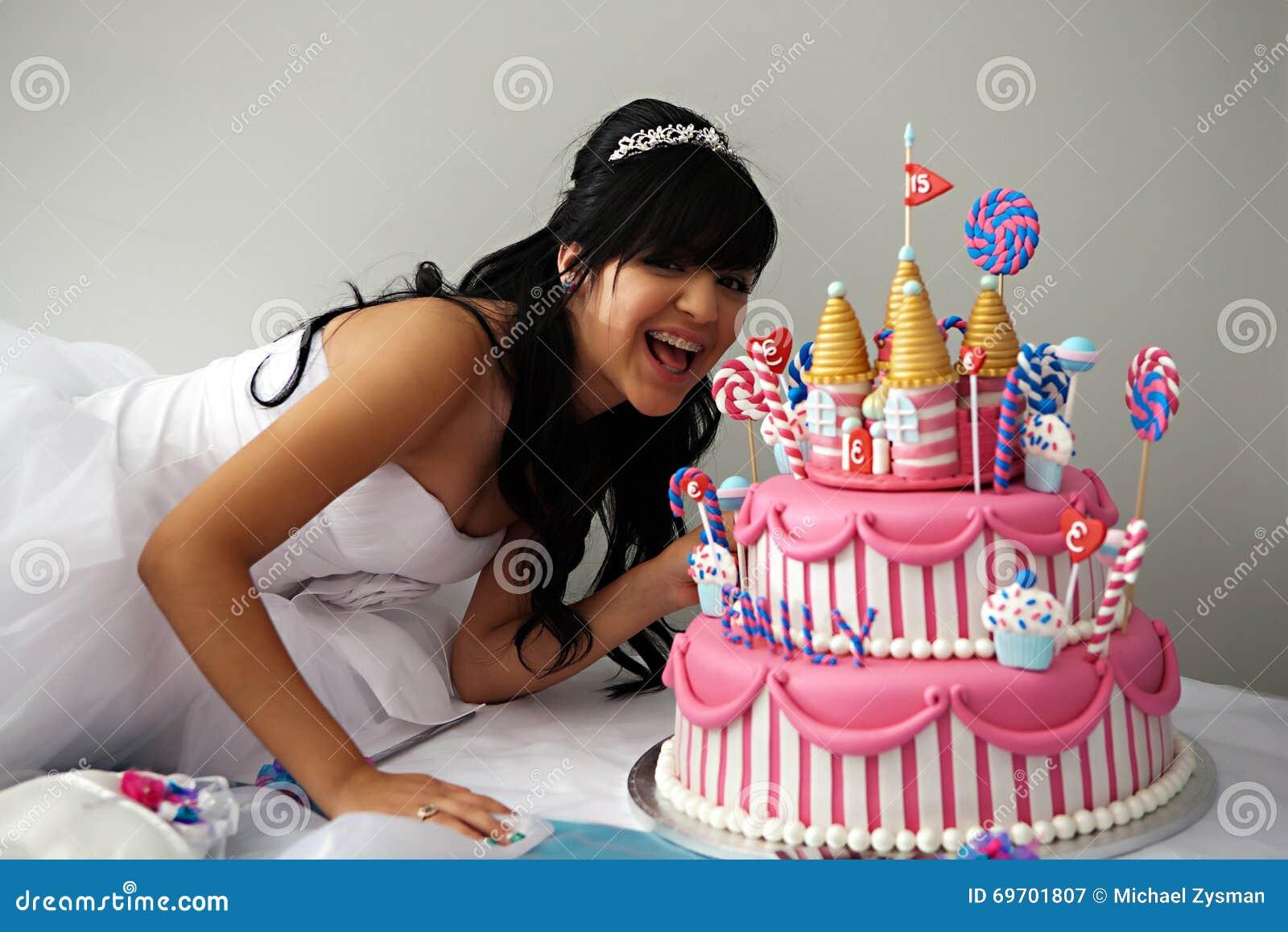 Quinceanera Geburtstags Kuchen Stockbild Bild Von Lateinisch