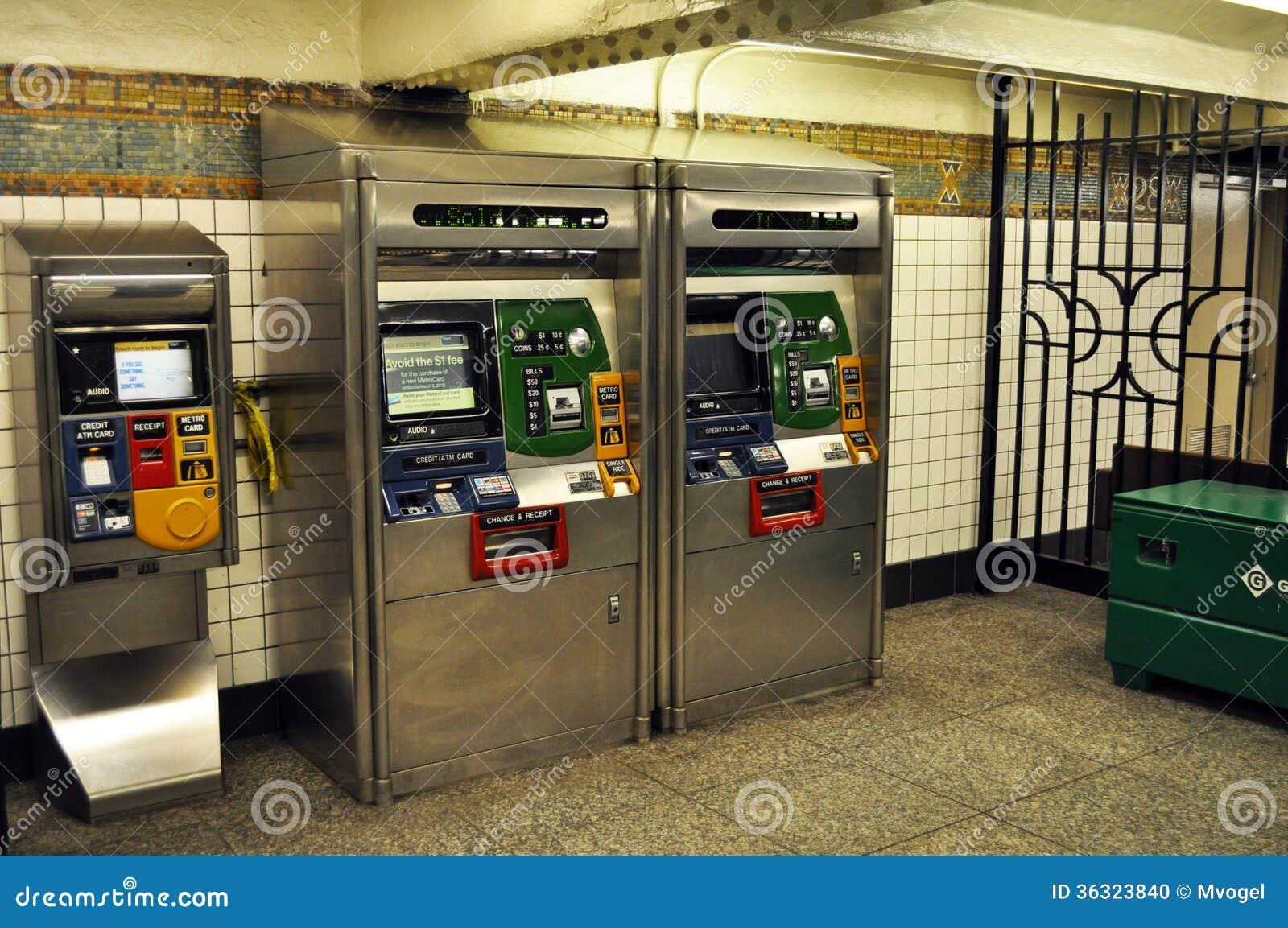 Quiosco Del Boleto De La Estaci N De Metro De Nueva York Imagen Editorial I