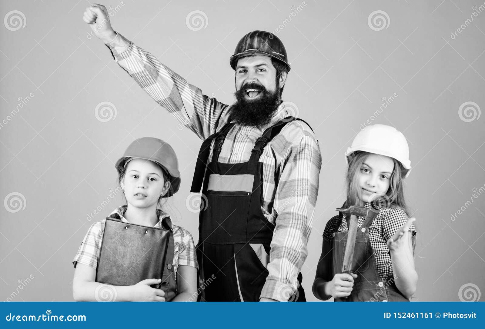 ?quipe r?veuse Constructeur de p?re et maison de r?paration de filles d enfants Enseignez la fille ?ducation informelle Jour de p