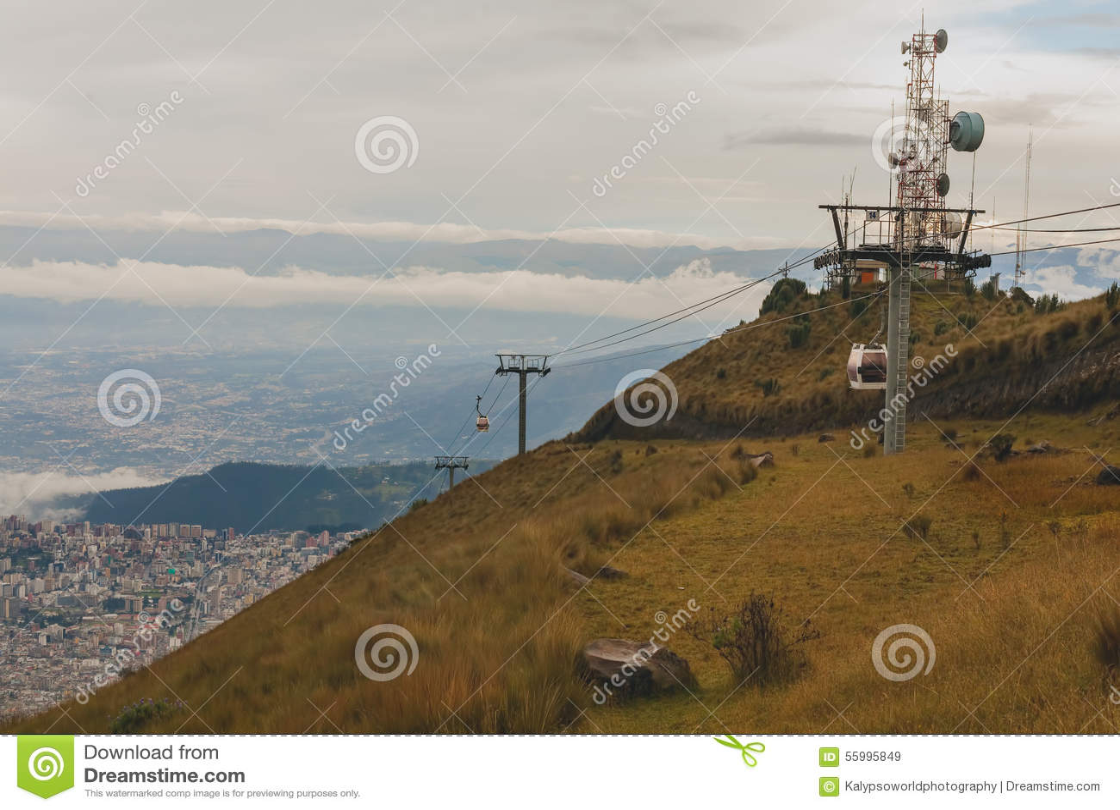Quito cabina di funivia sudamerica fotografia stock for Animali domestici della cabina di nashville