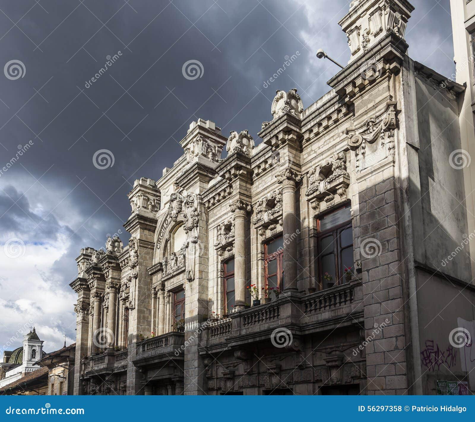 Quito ciudad vieja arquitectura colonial viejo for Arquitectura militar