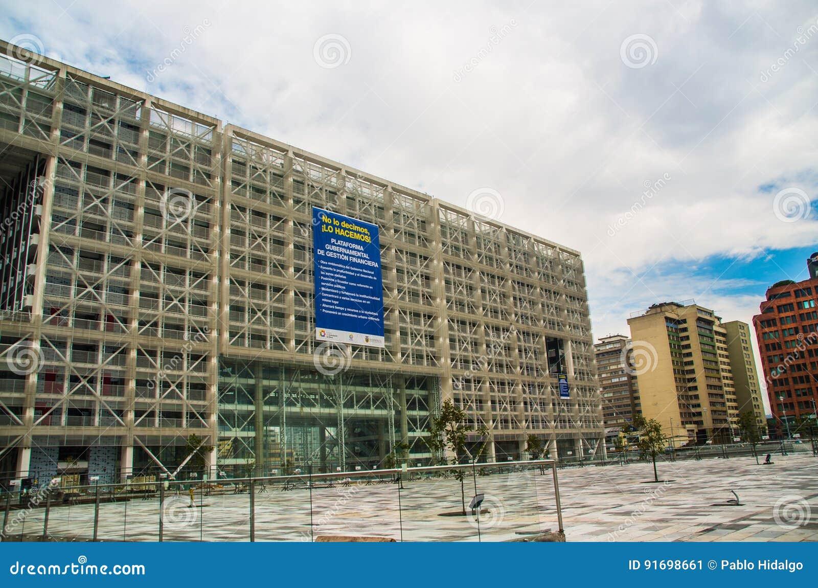 Quito Ecuador 26 De Abril De 2017 Edificio De Oficinas