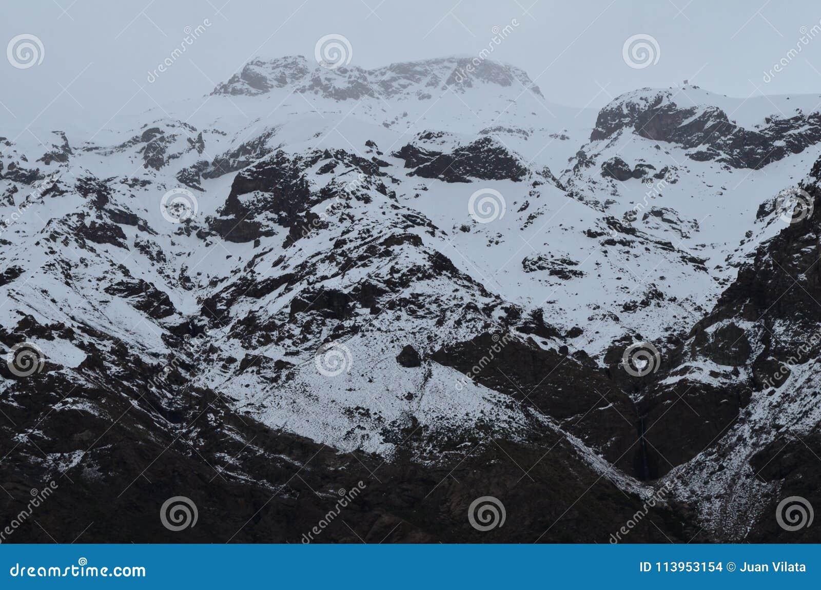 RÃo Blanco Krajowa rezerwa, środkowy Chile, wysoka różnorodności biologicznej dolina w Los Andes