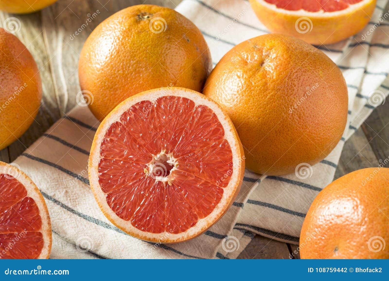 Rå organiska Ruby Red Grapefruits