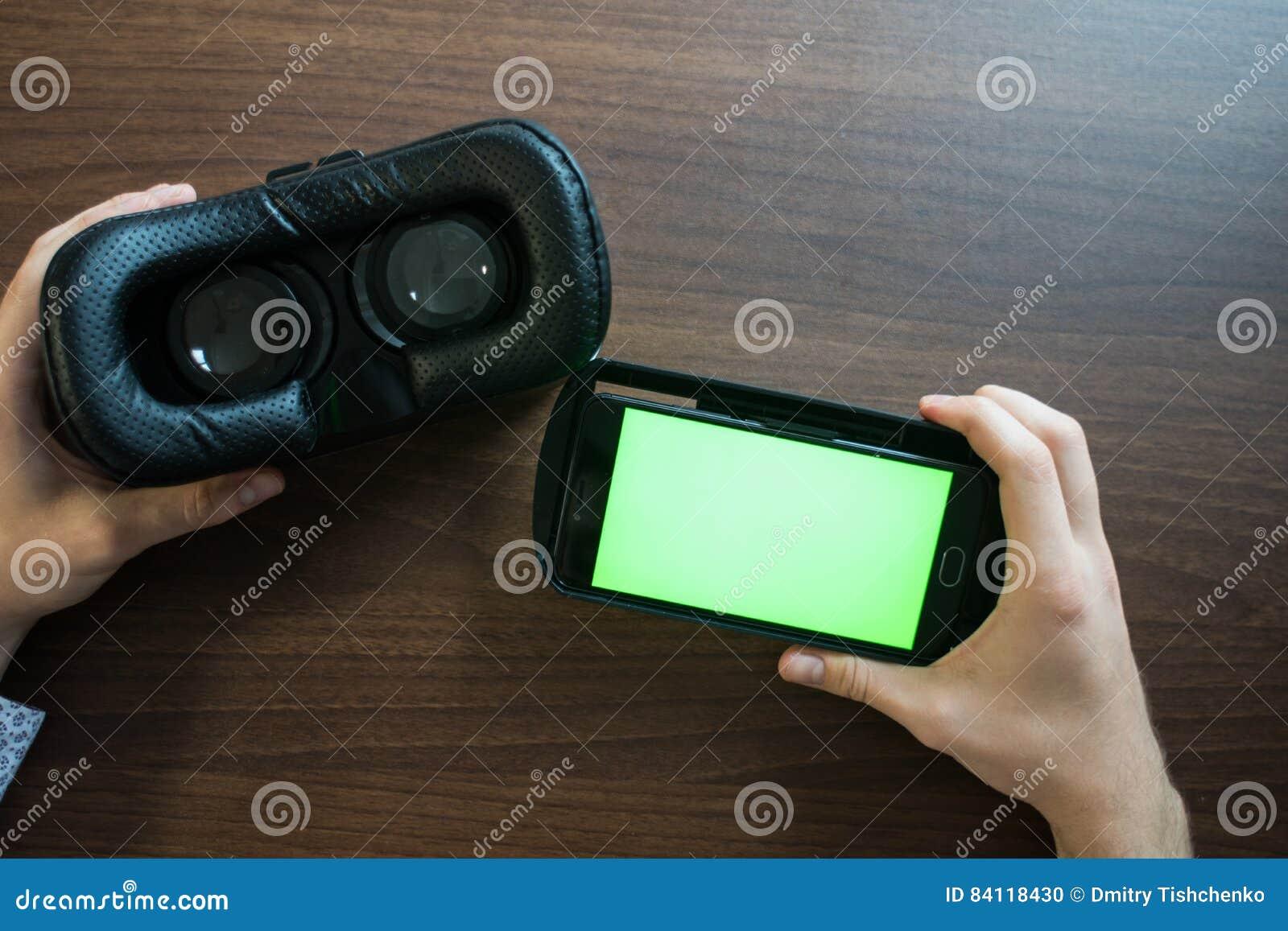 Réalité virtuelle, VR, casque et smartphone avec l écran vert pour