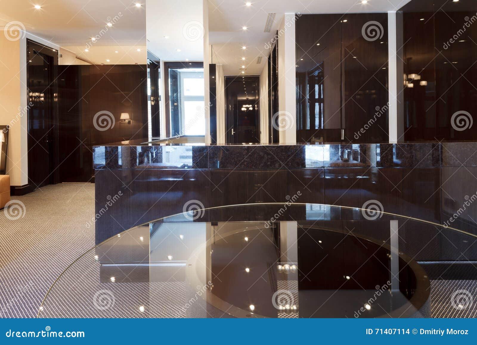 Vide In Hal : Réception de luxe vide hal photo stock image du compagnie