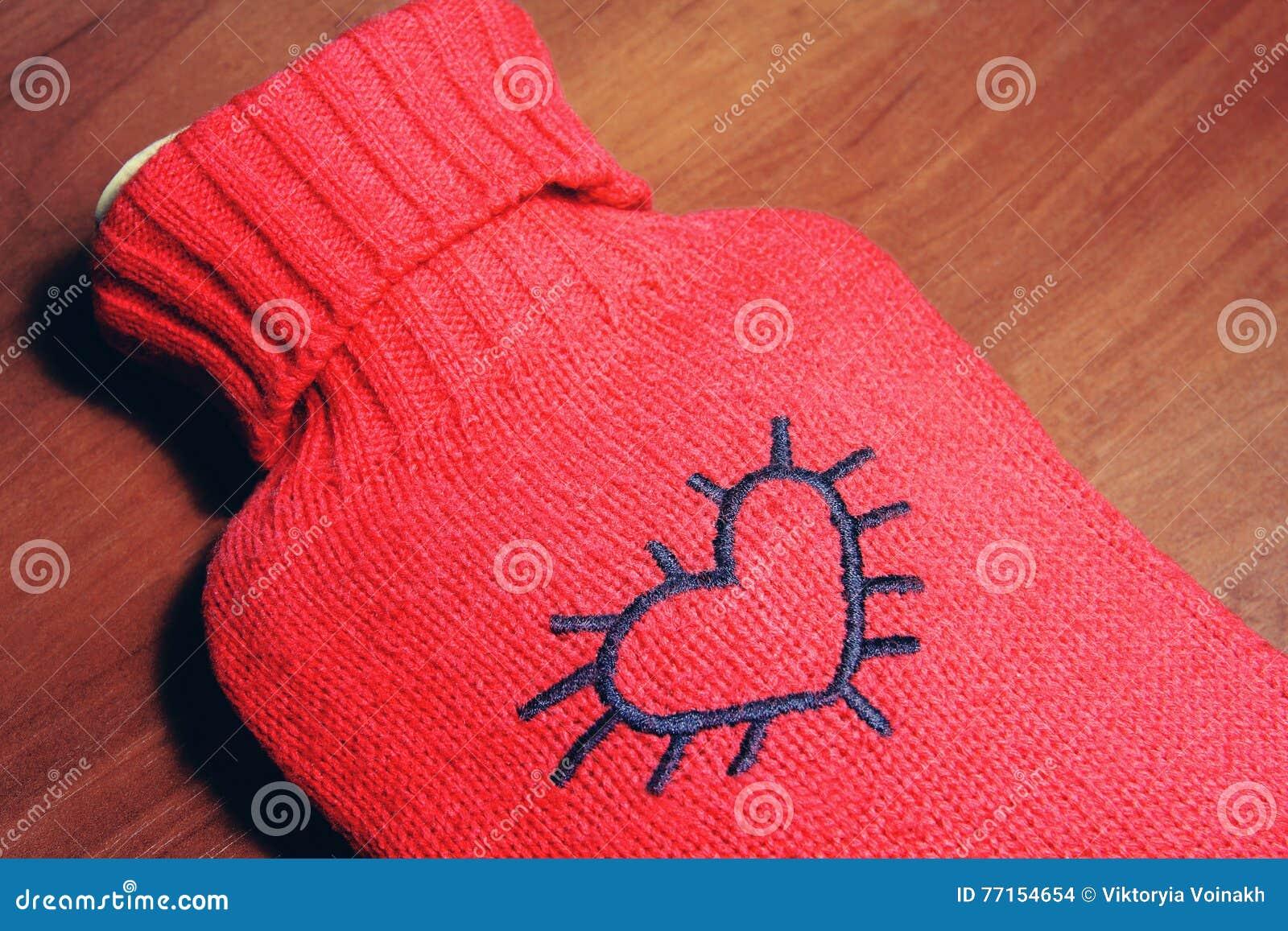 Réchauffeur élégant rouge avec le coeur