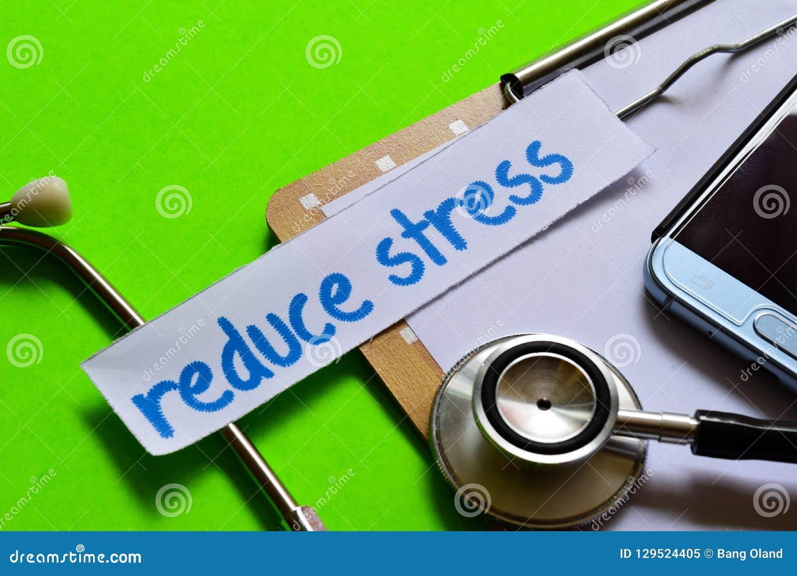 Réduisez l effort sur le concept de soins de santé avec le fond vert