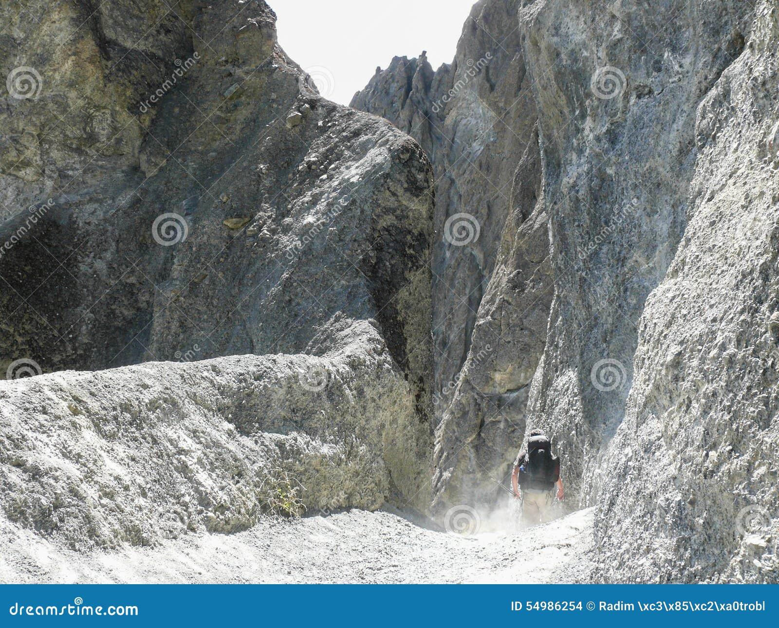 Région d éboulement - manière au camp de base de Tilicho, Népal