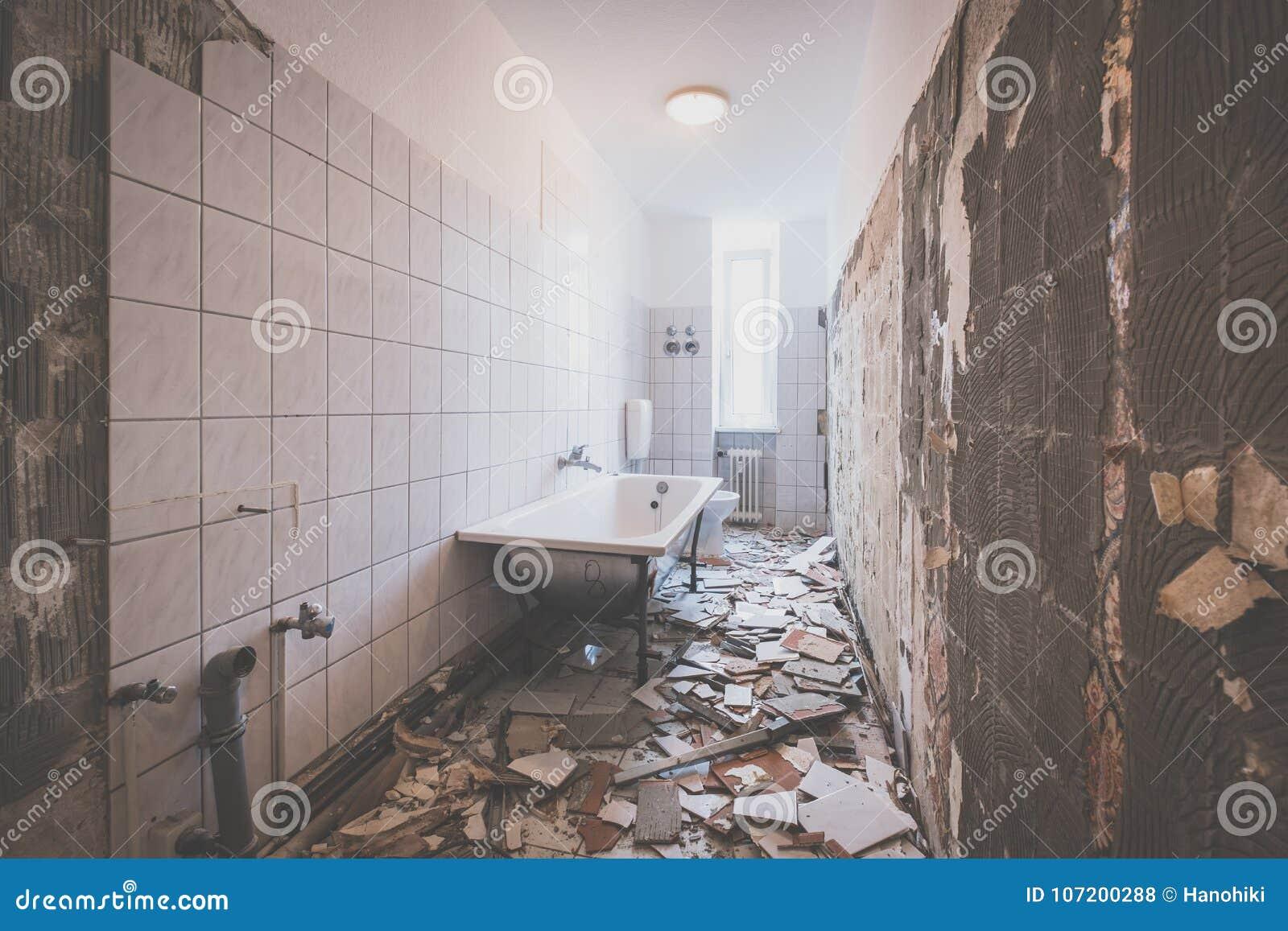 download rnovation de salle de bains limination des tuiles dans la vieille salle de bains