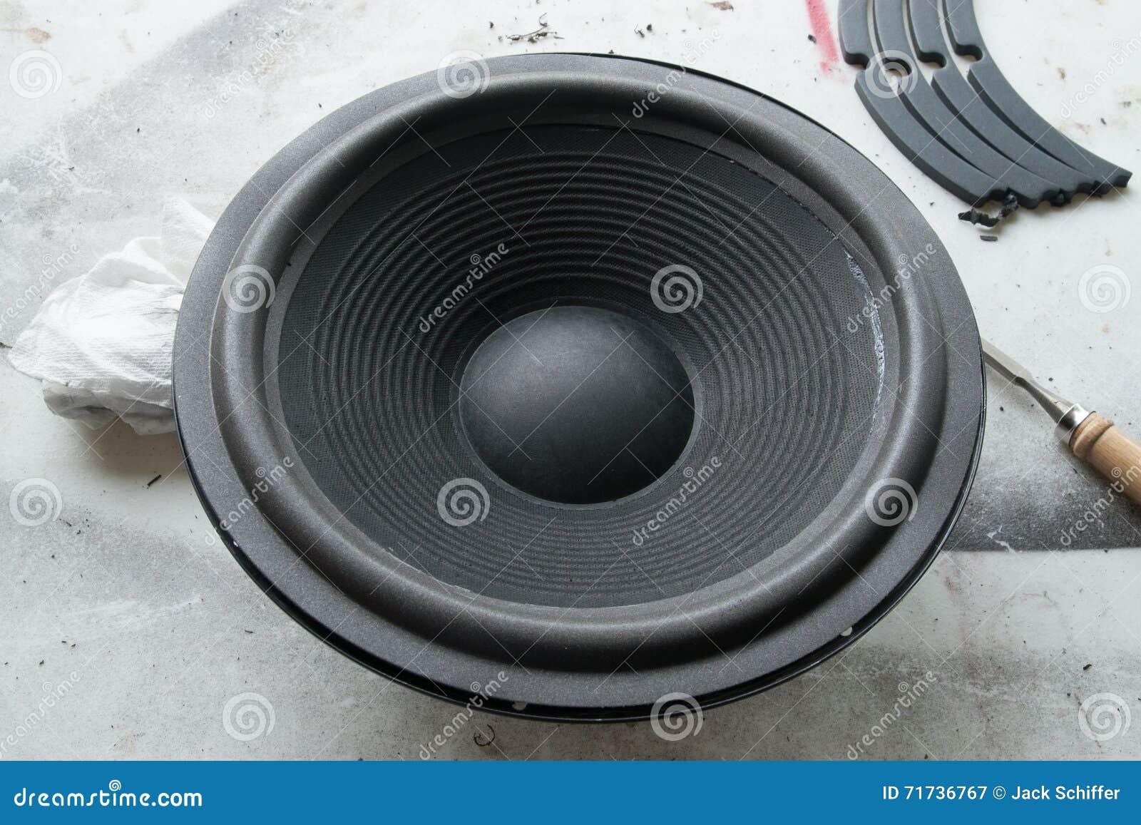 Réparation de Refoam d orateur