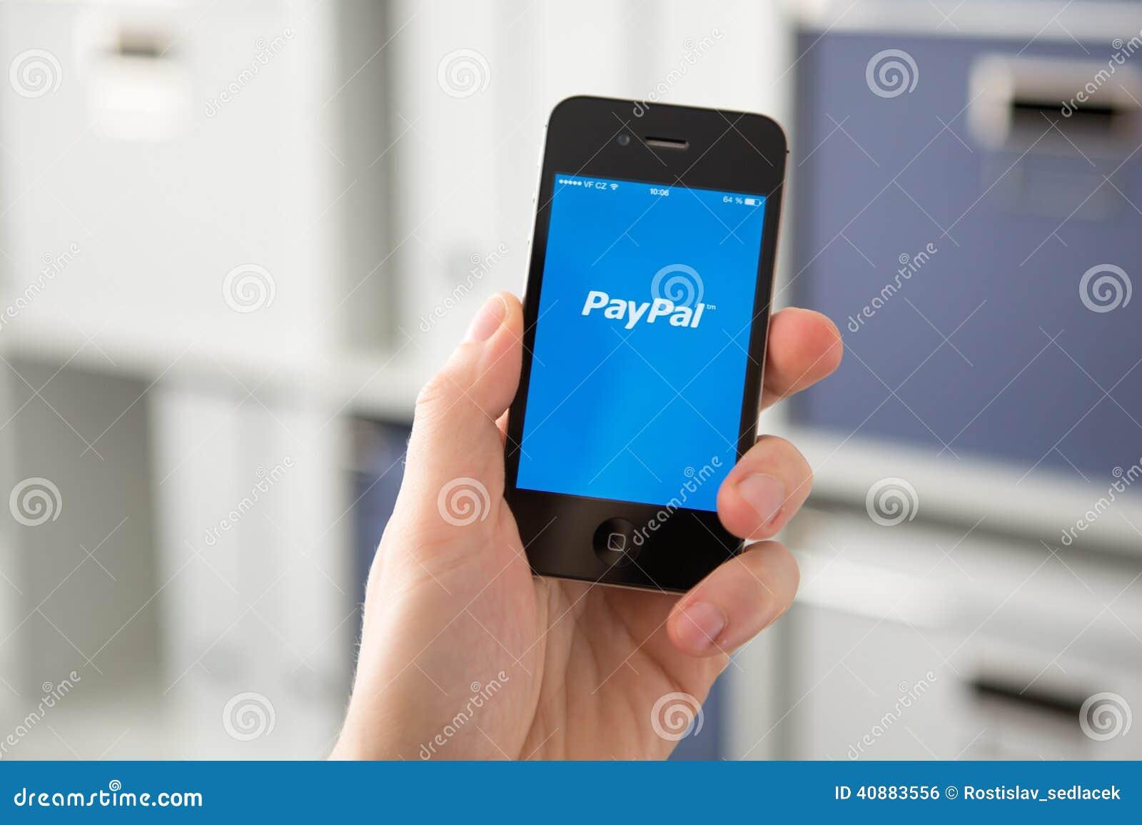 RÉPUBLIQUE TCHÈQUE DE HODONIN - 7 AVRIL : Paypal la manière de les plus populaires de