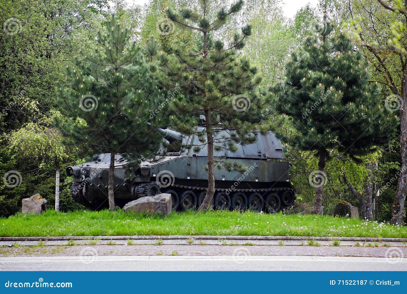 Réservoir de la deuxième guerre mondiale près de Bastogne, Belgique