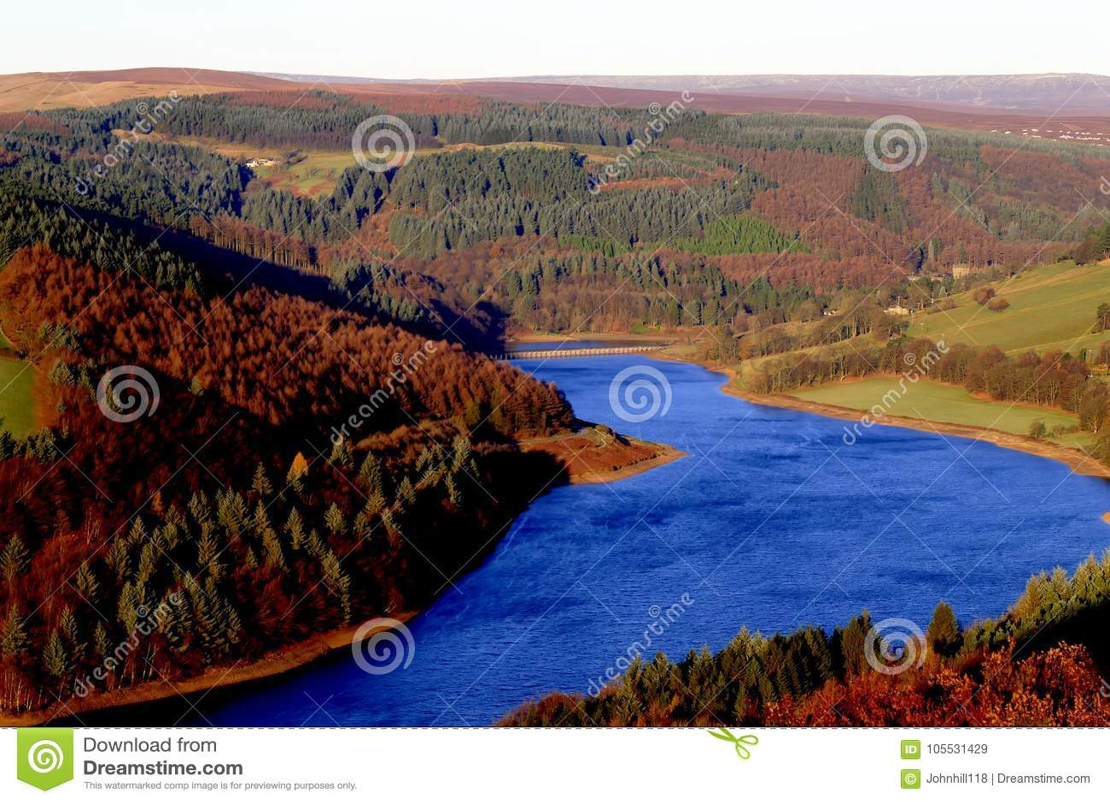 Réservoir de Ladybower, Derbyshire, R-U