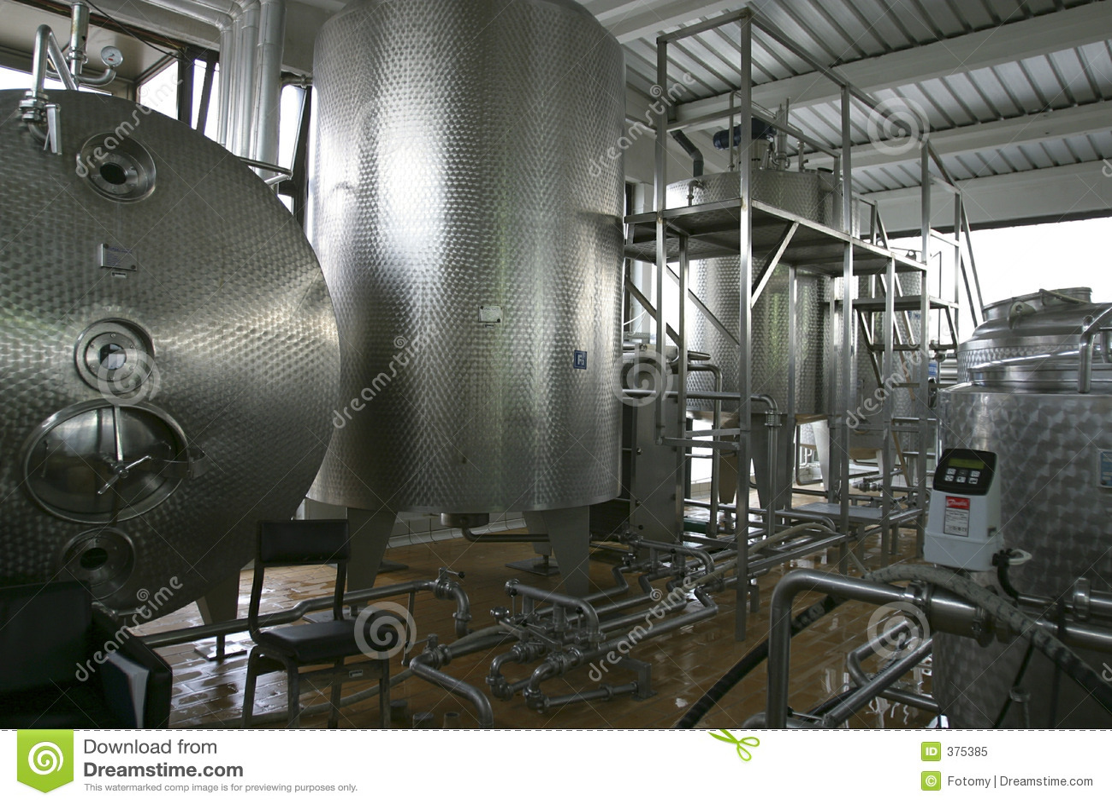 Réservoirs de stockage liquides industriels