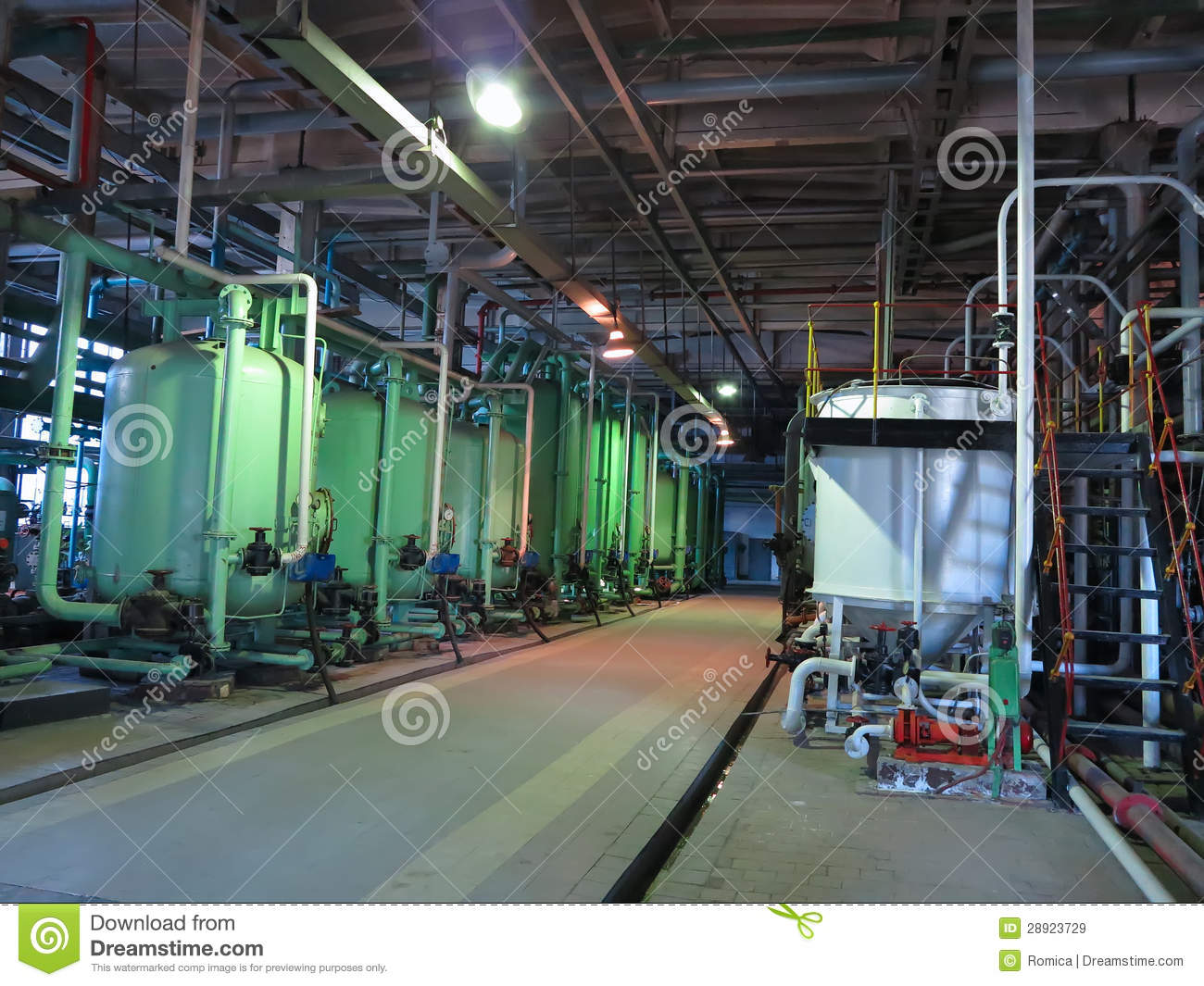 R servoirs industriels machines pipes tubes l for Interieur usine