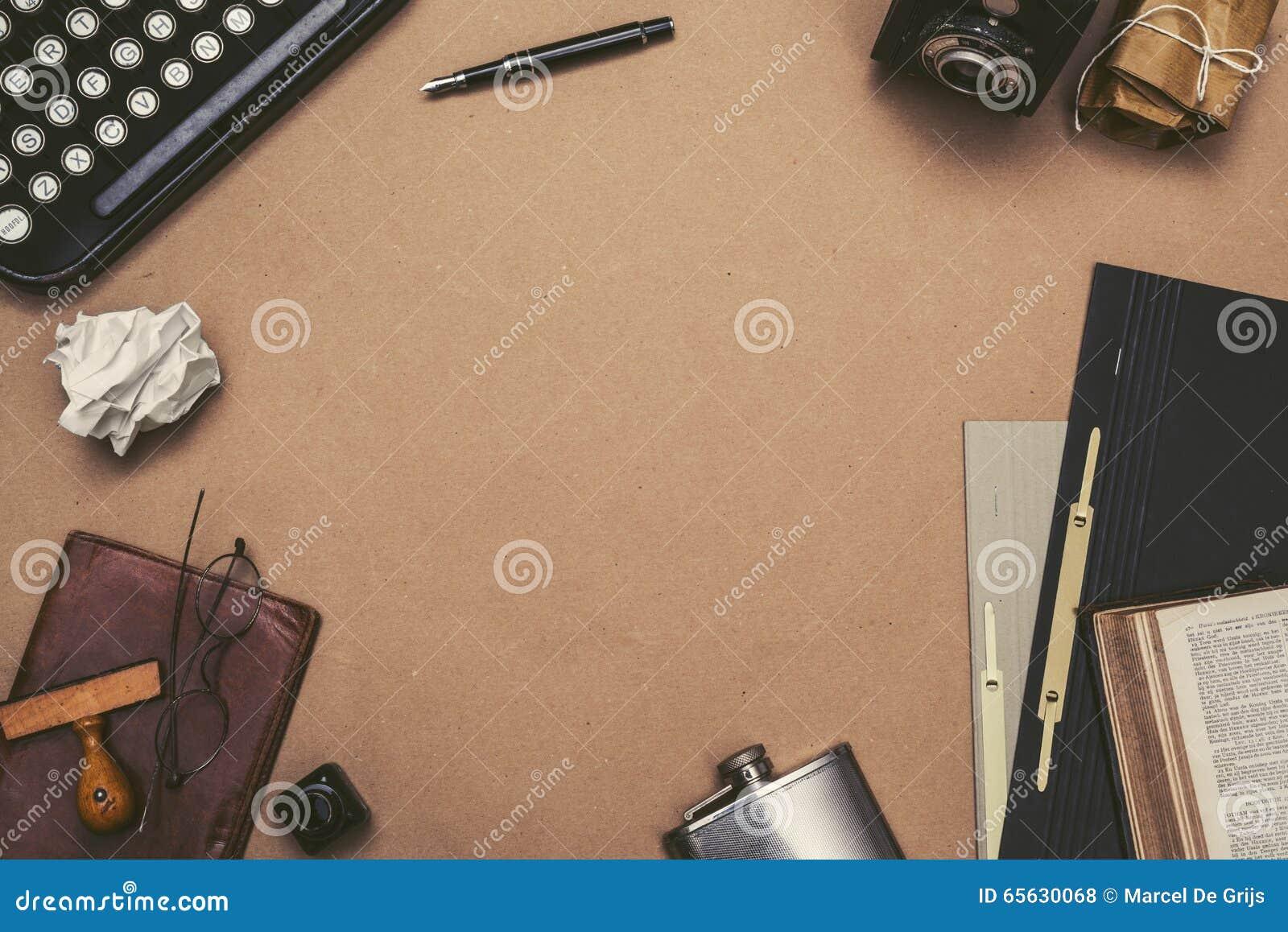 Rétro en-tête de héros de bureau de machine à écrire