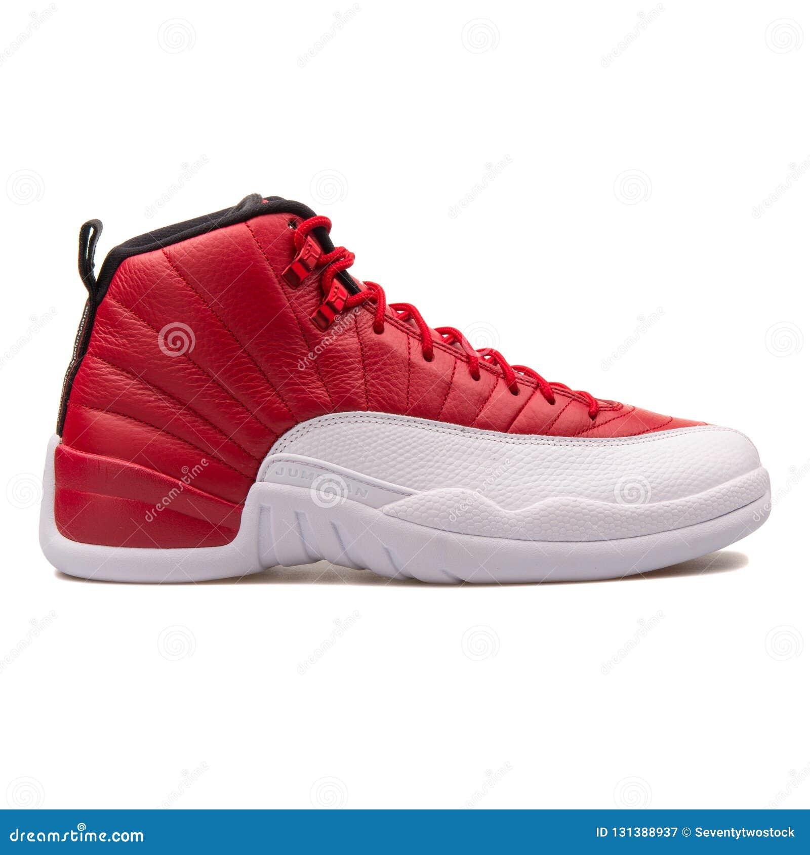 affordable price wide range so cheap Rétro Gymnase De Nike Air Jordan 12 Rouge-noir Et Espadrille ...