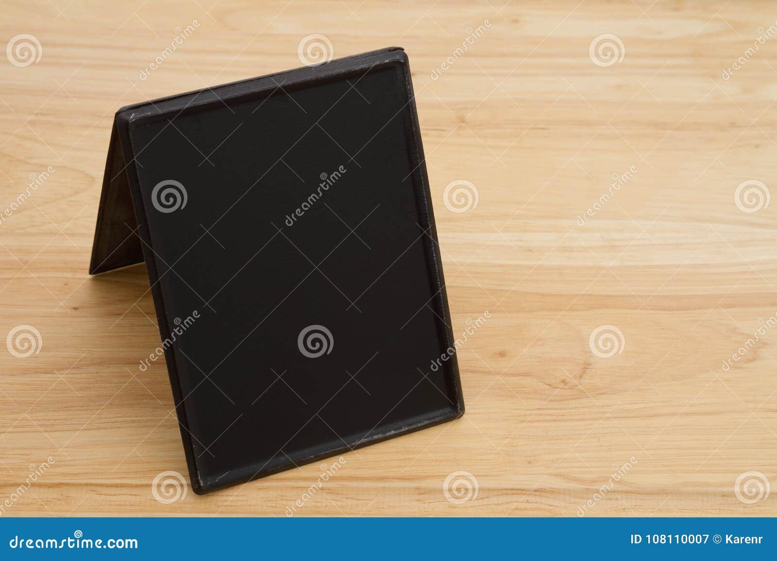Rétro tableau libre sur le bureau en bois image stock image du