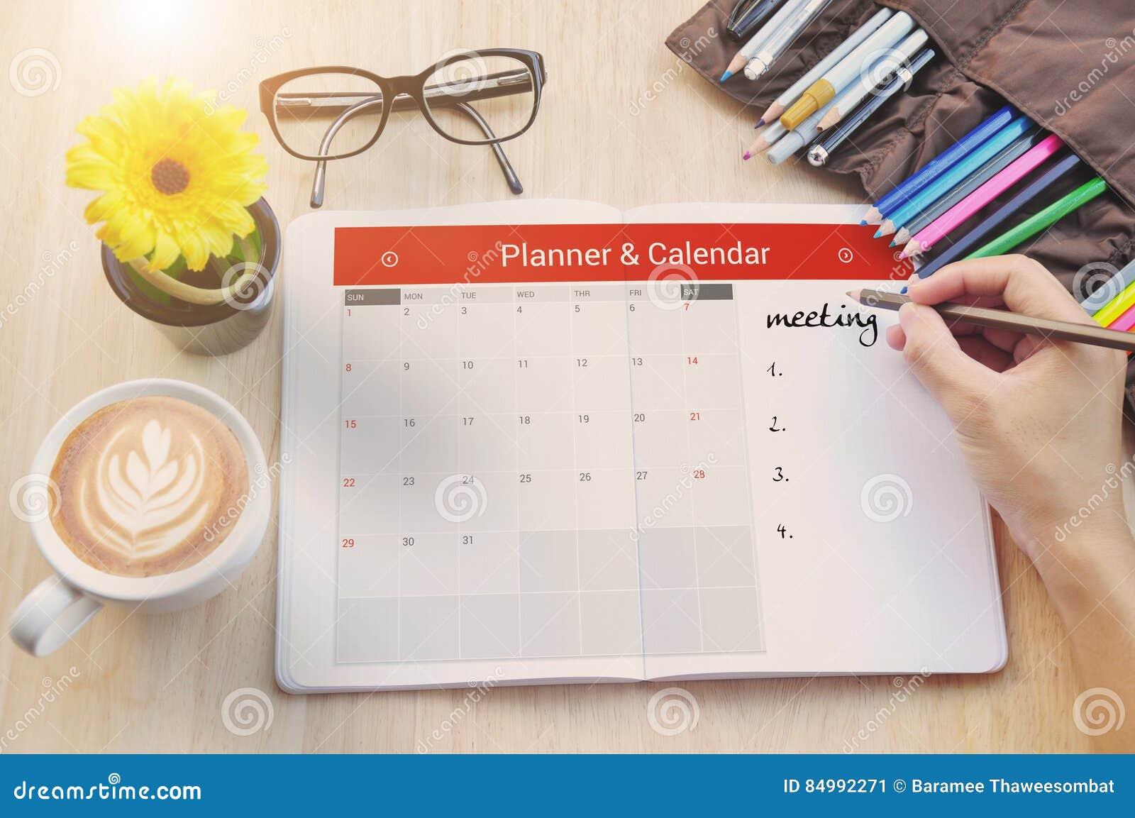 R union de planificateur de calendrier d 39 affaires sur le bureau de bureau image stock image du - Calendrier sur le bureau ...