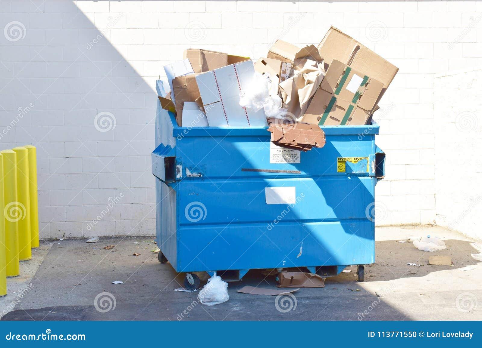 Réutilisez la poubelle de décharge avec tous les types de matériaux recyclables