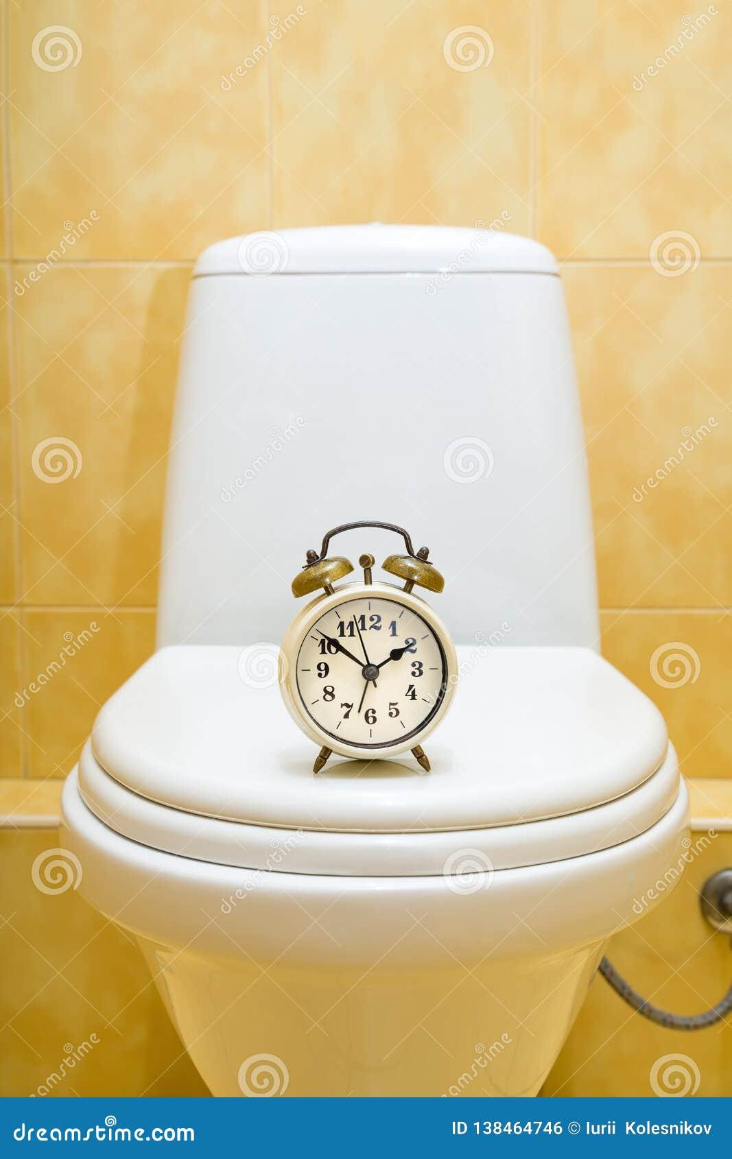 Réveil sur la toilette