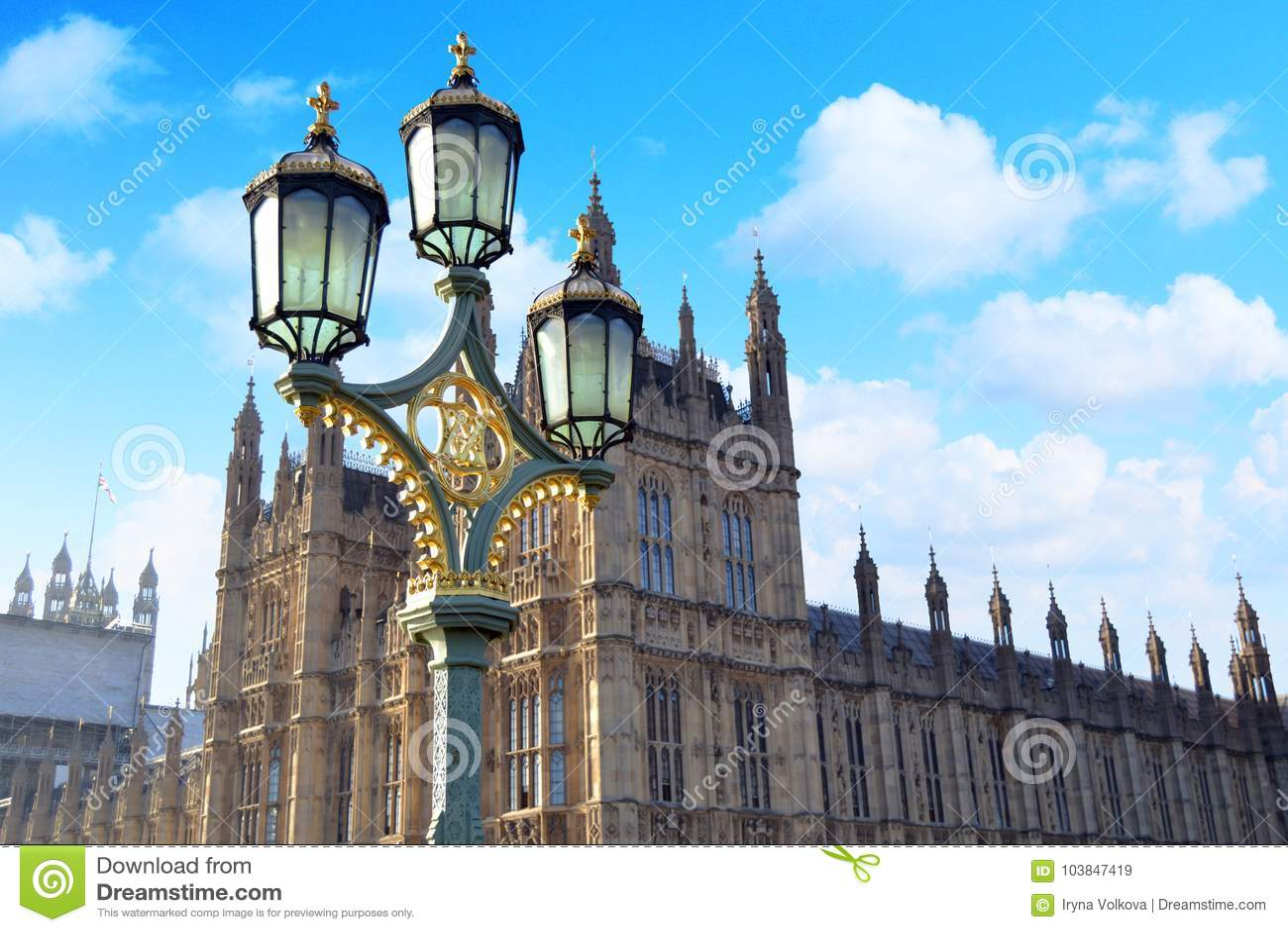 Réverbères sur le pont de Westminster