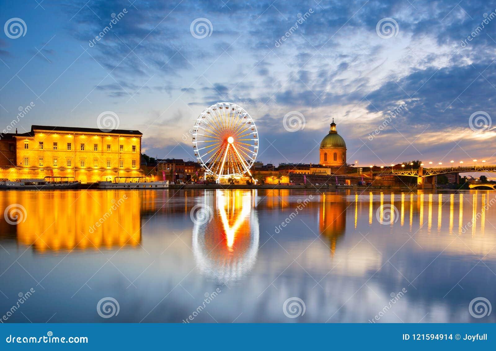 Río de la rueda de los transbordadores Toulouse, Francia