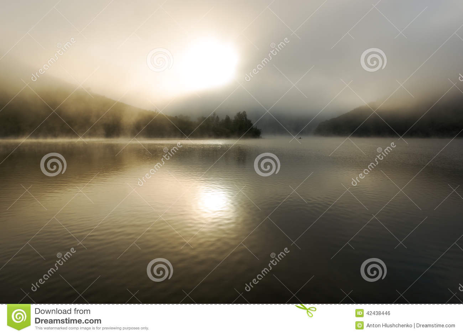 Río de niebla