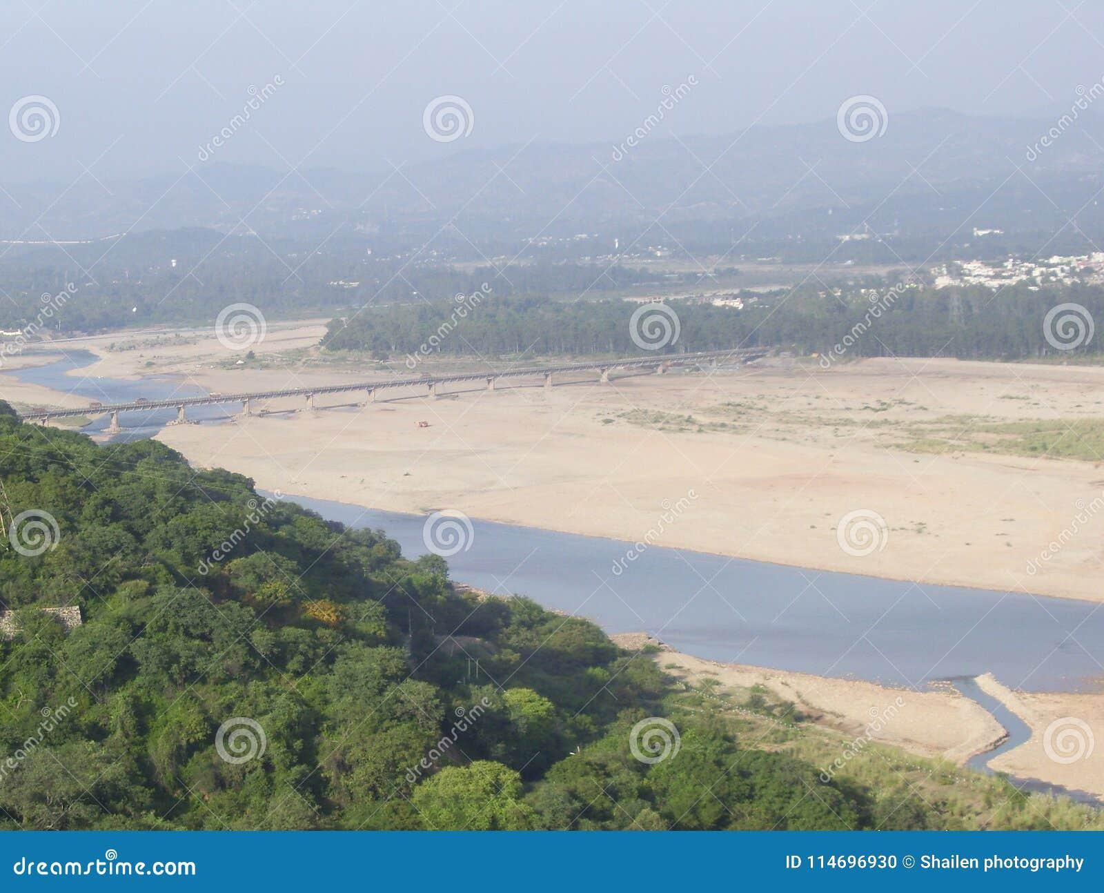 Río de Tawi, Jammu, la India