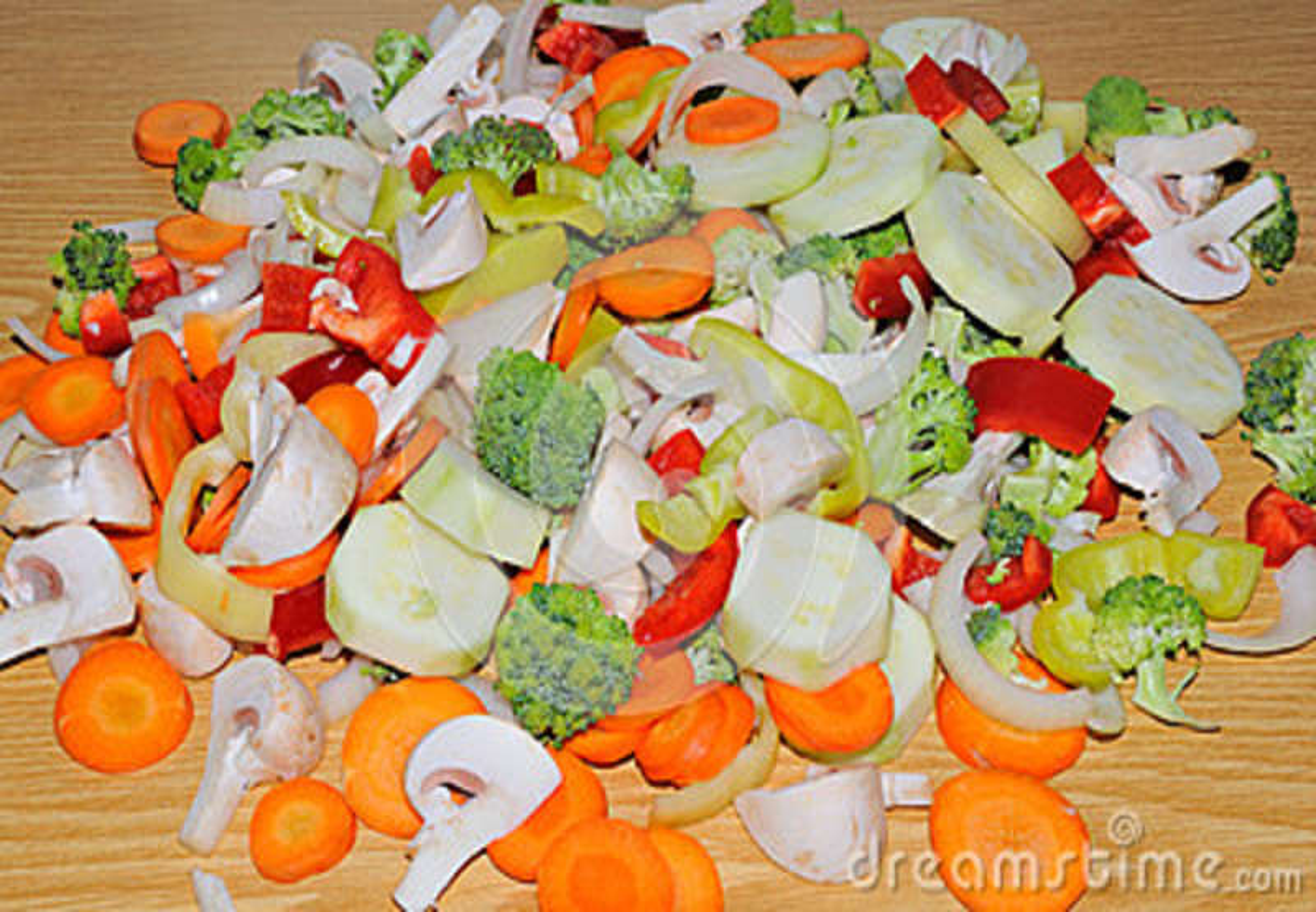 Download Różni świezi Warzywa Cią Up W Kawałkach Przygotowywających Dla Fertania F Zdjęcie Stock - Obraz złożonej z grupa, kucharz: 37082882
