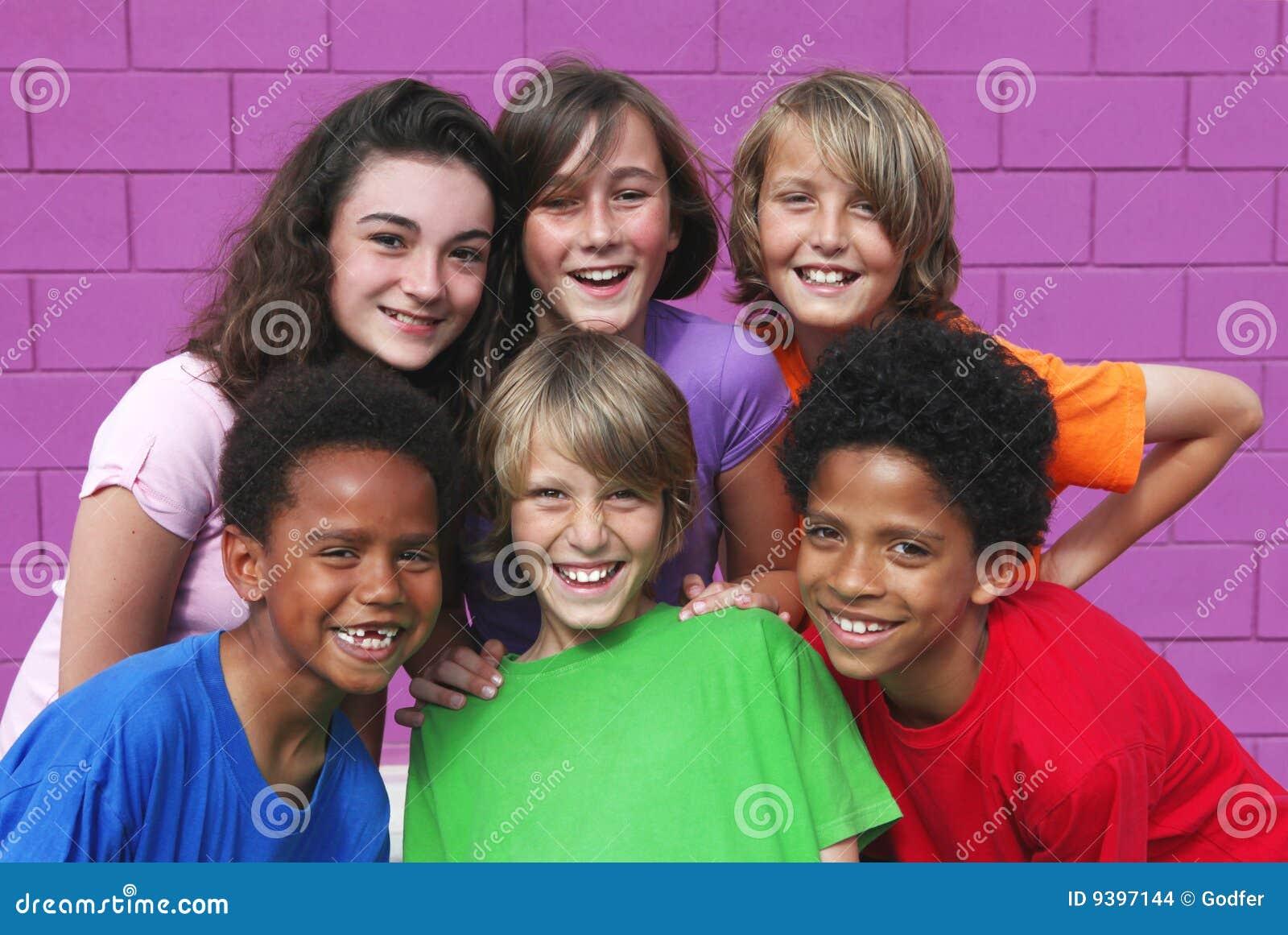 Różnorodni dziecko dzieciaki