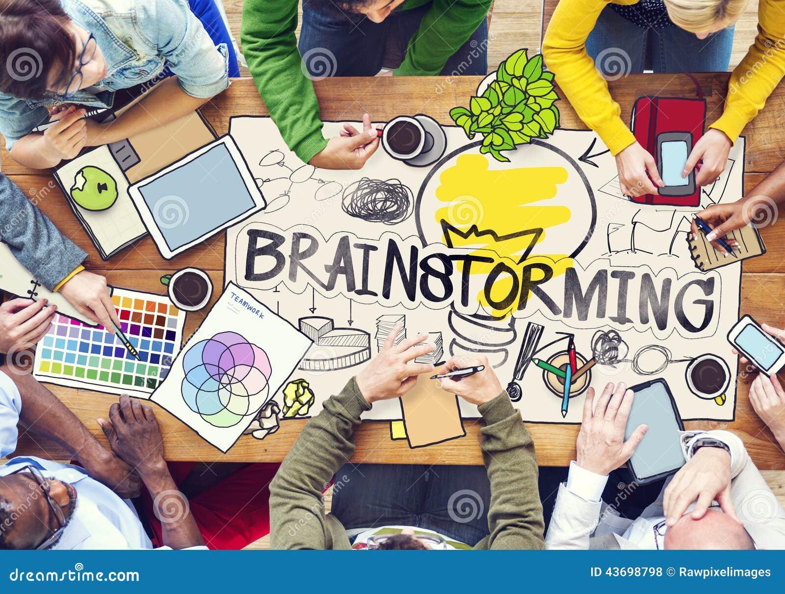 Różnorodni ludzie Brainstorming z fotografii ilustracjami