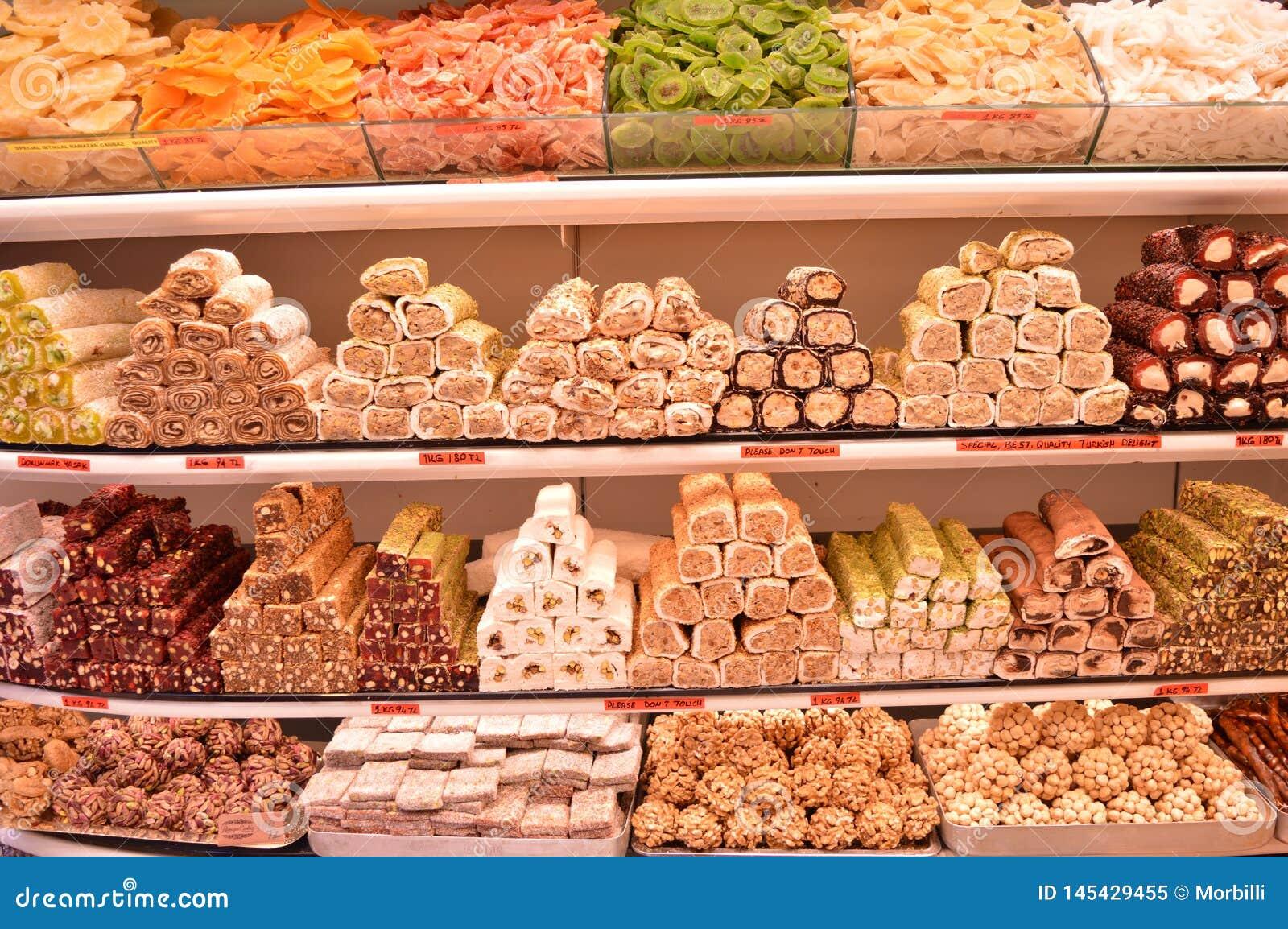 Różnorodny asortowany Turecki zachwyt w sklepu rynku