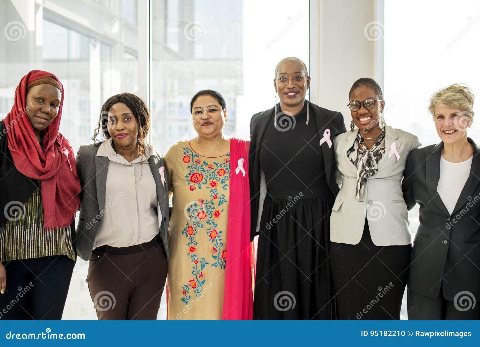 Różnorodny kobiet Wpólnie partnerstwa faborek