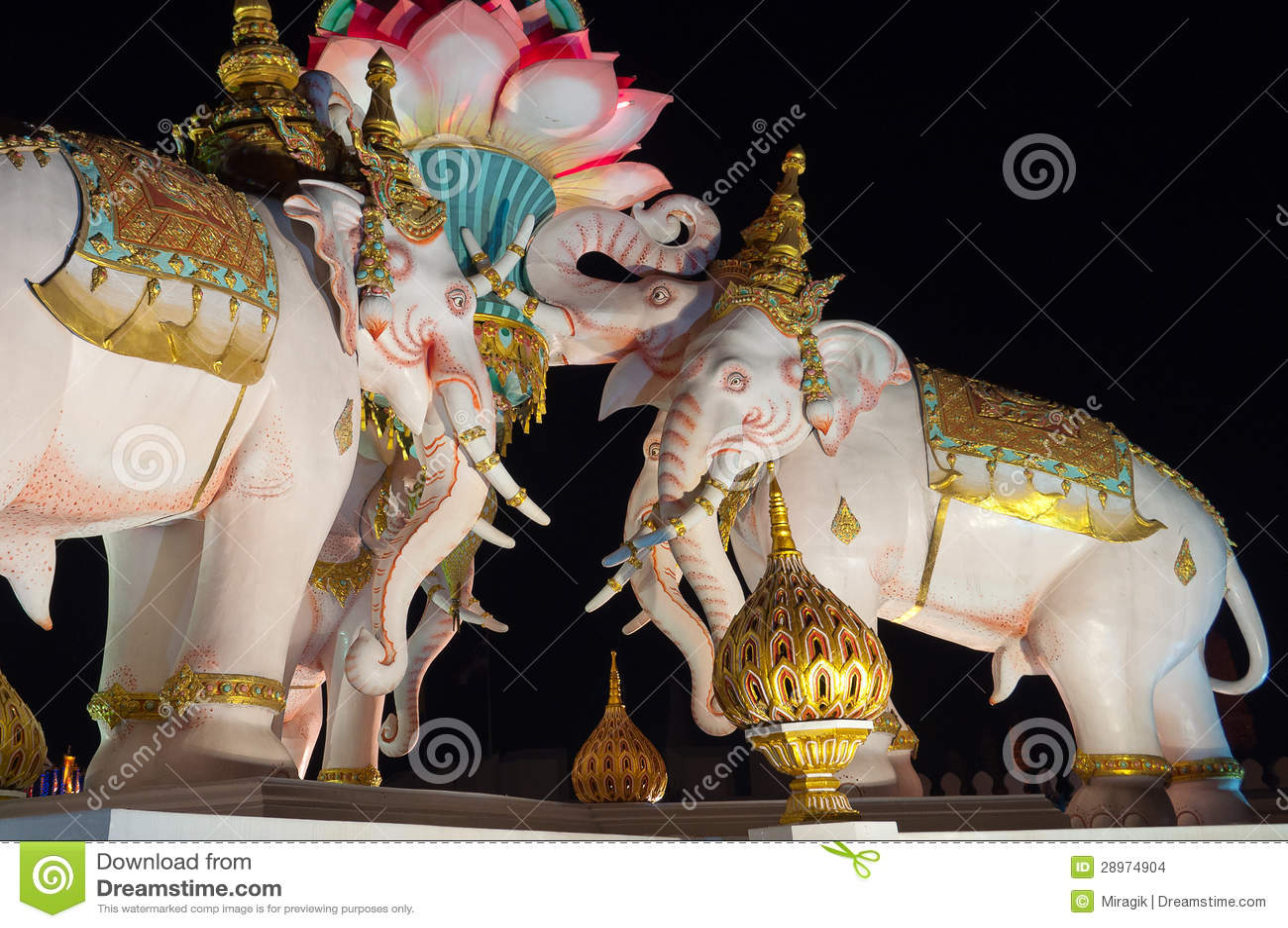 Różowego słonia statua. Bangkok. Tajlandia.