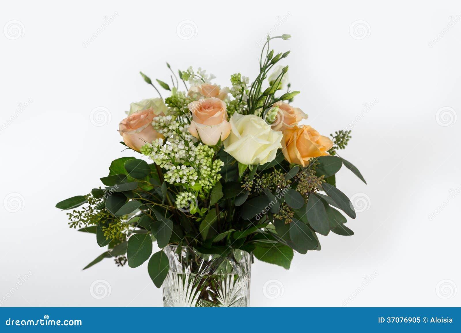 Download Różany bukiet z bzem obraz stock. Obraz złożonej z urodziny - 37076905