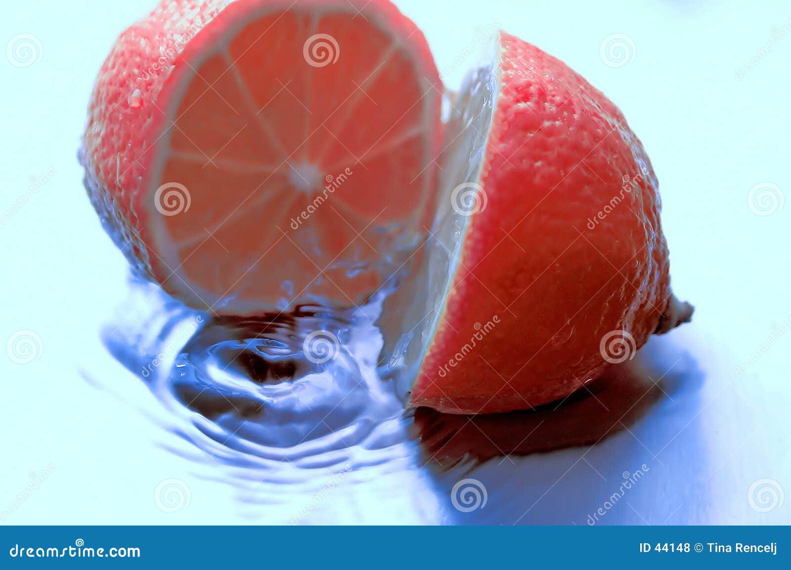 Download Różowy cytryn, zdjęcie stock. Obraz złożonej z pluśnięcie - 44148