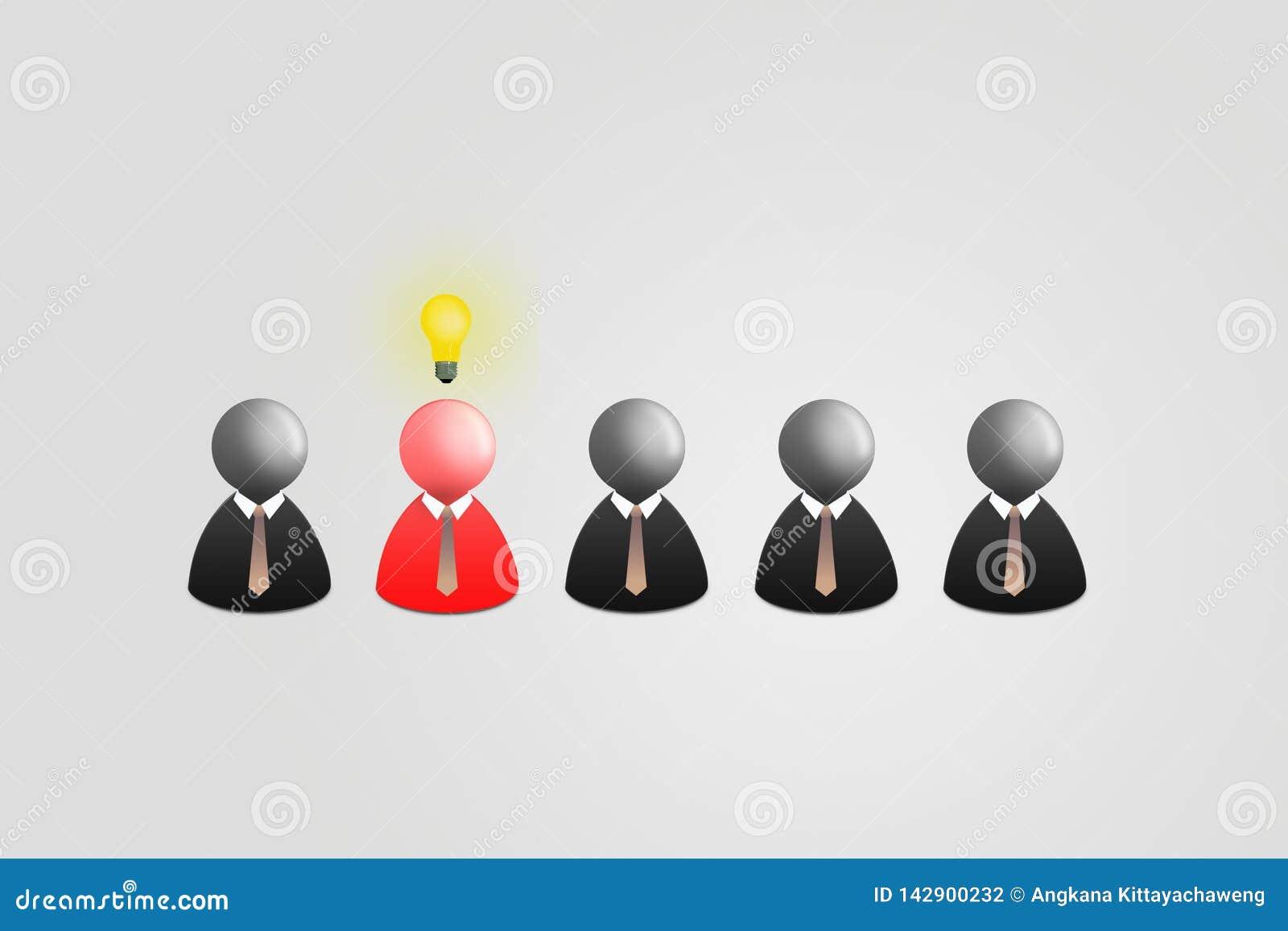 Röd affärsman med huvudet för ljus kula som ut står rad av andra svart affärsman på grå bakgrund