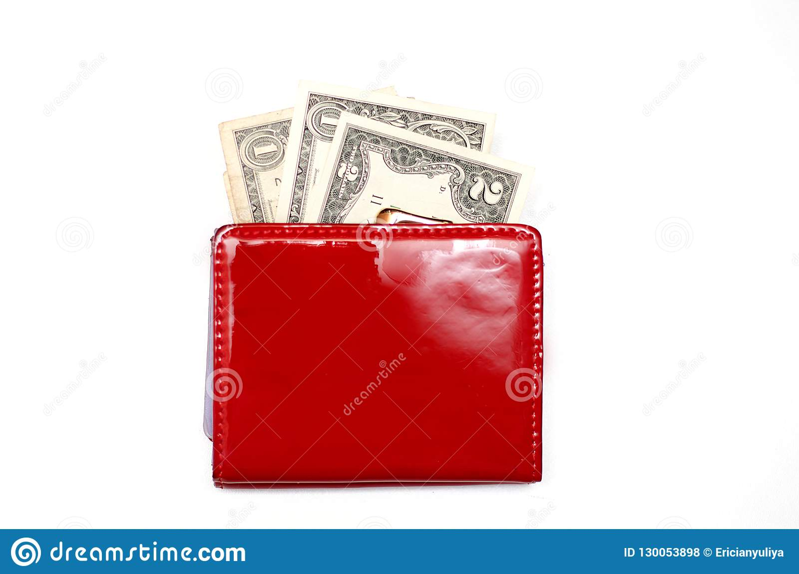 Röd handväska med pengar på en vit bakgrund