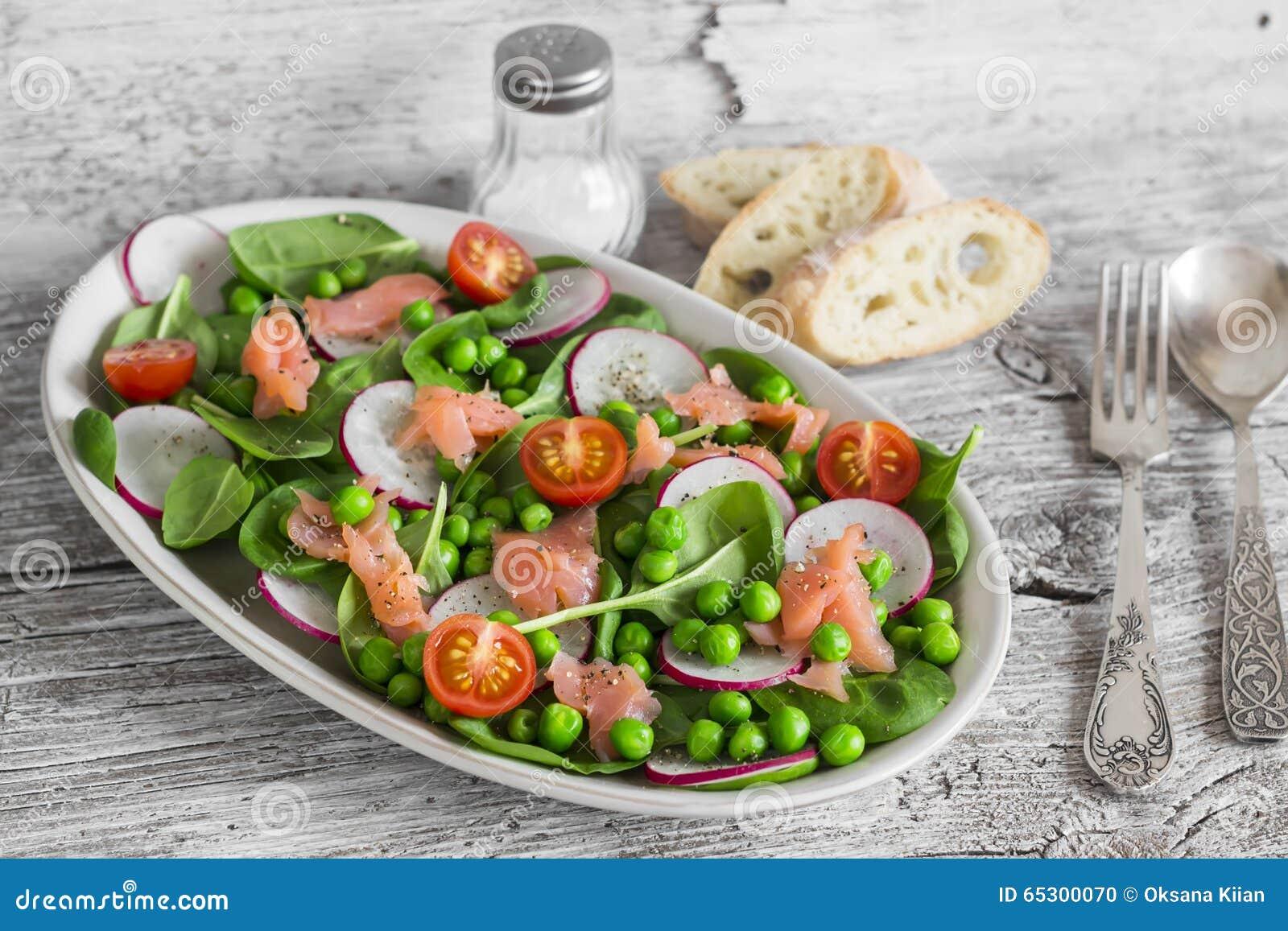 sallad med gröna ärtor