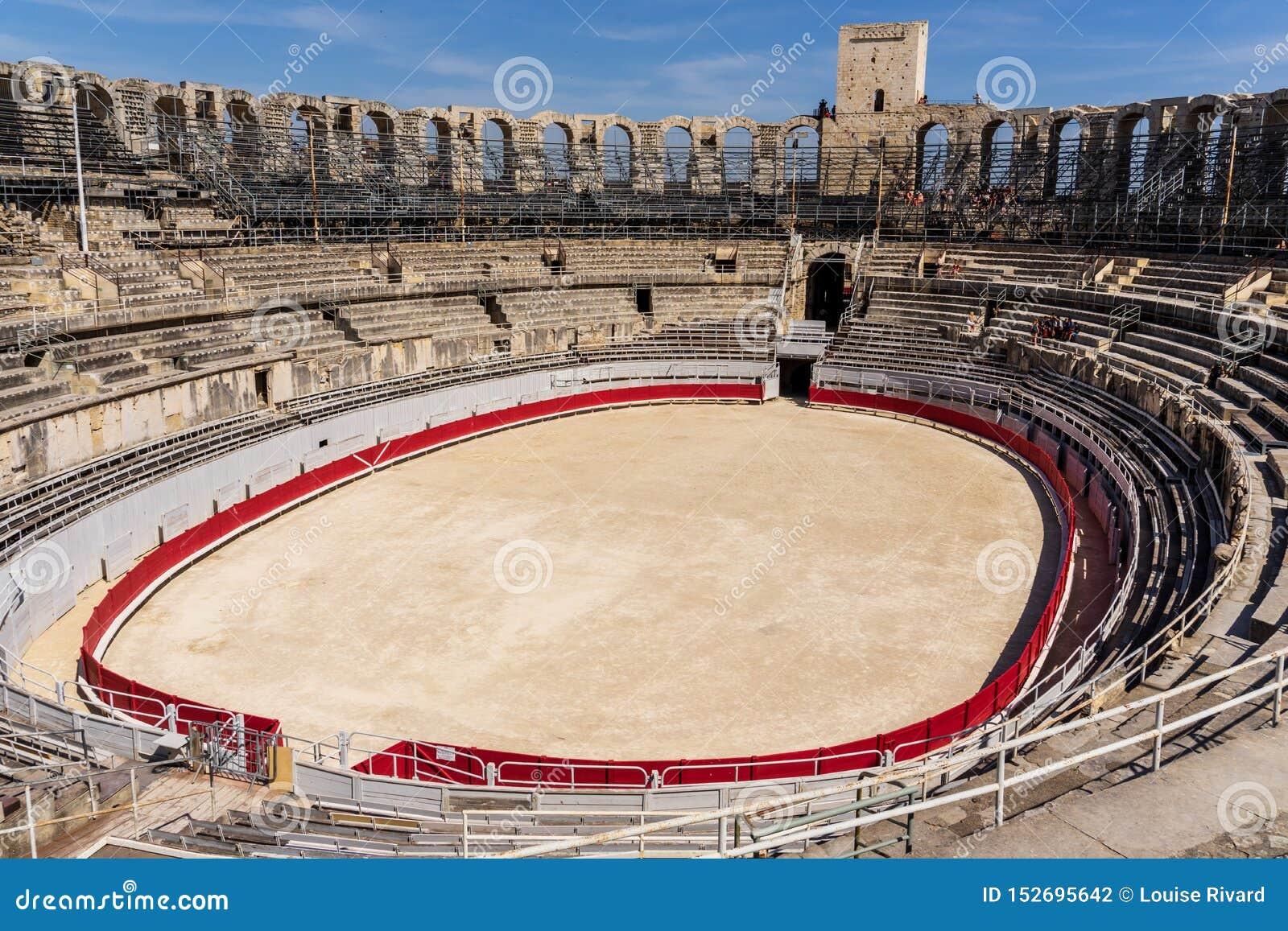 Römischer Amphitheatre bei Arles in Frankreich