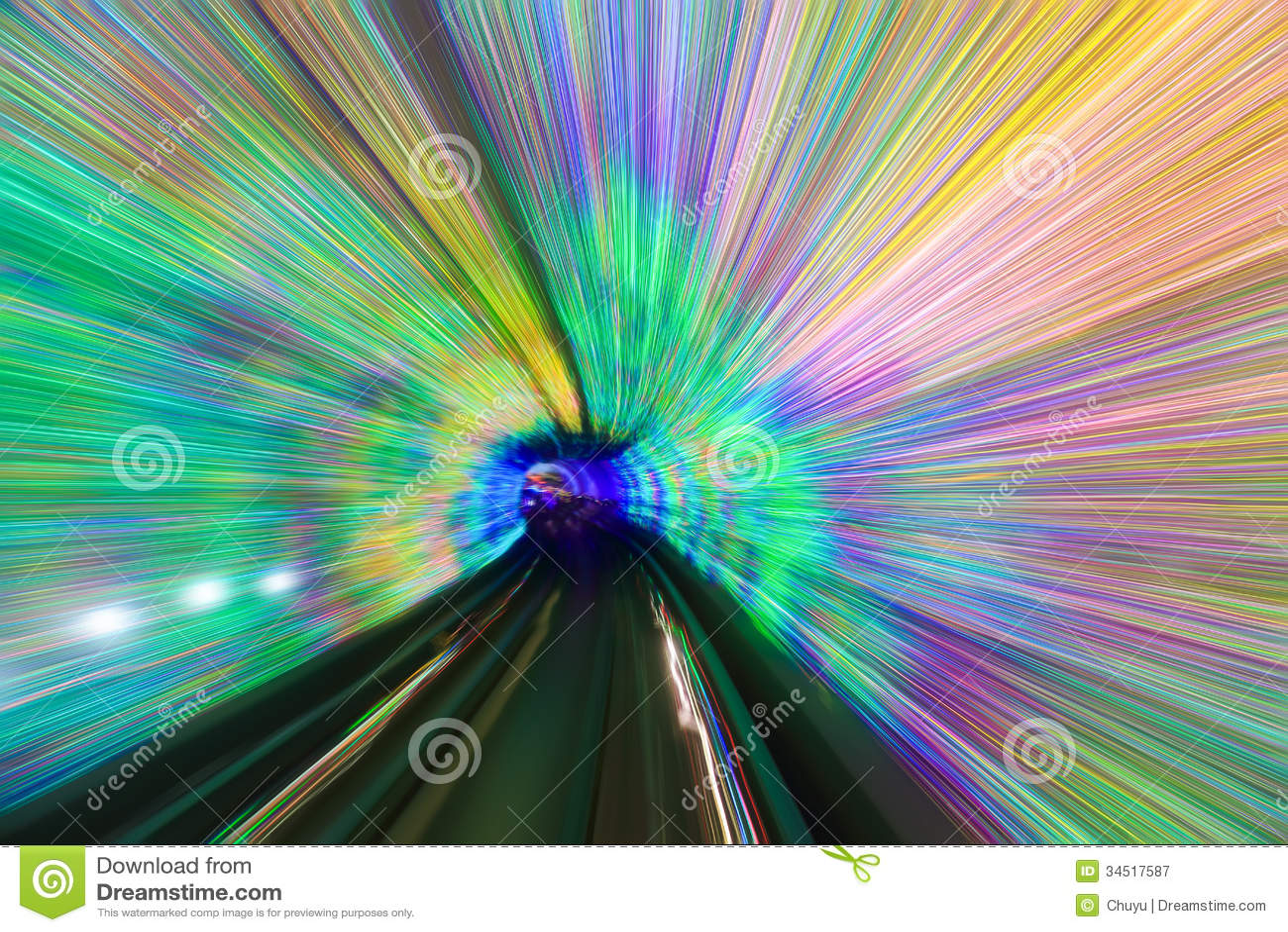 Rörelse som är snabb i färgrik tunnel