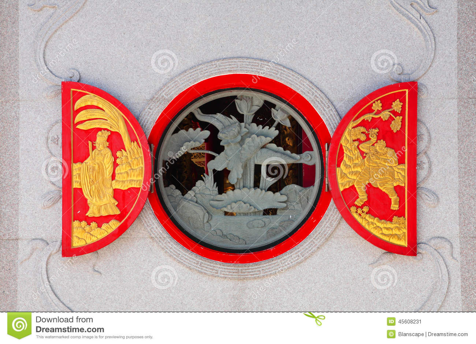 Rött fönster för traditionell kines