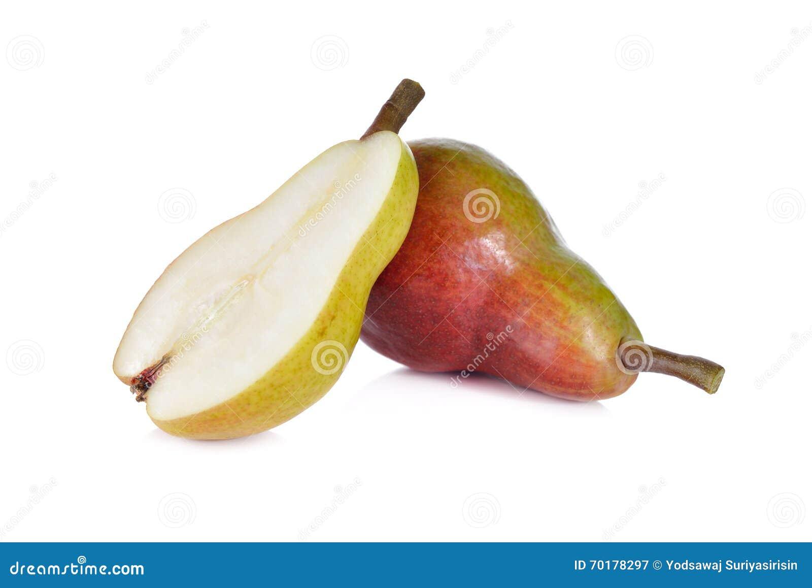 Rött päron för helhet och för halvt snitt med stammen på vit