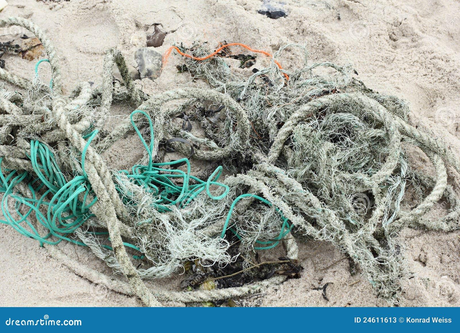 Rückstände Der Seile Und Der Netze Auf Dem Strand Von Sylt Stockbild