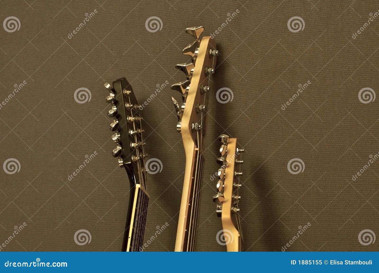 Ręce na gitarze