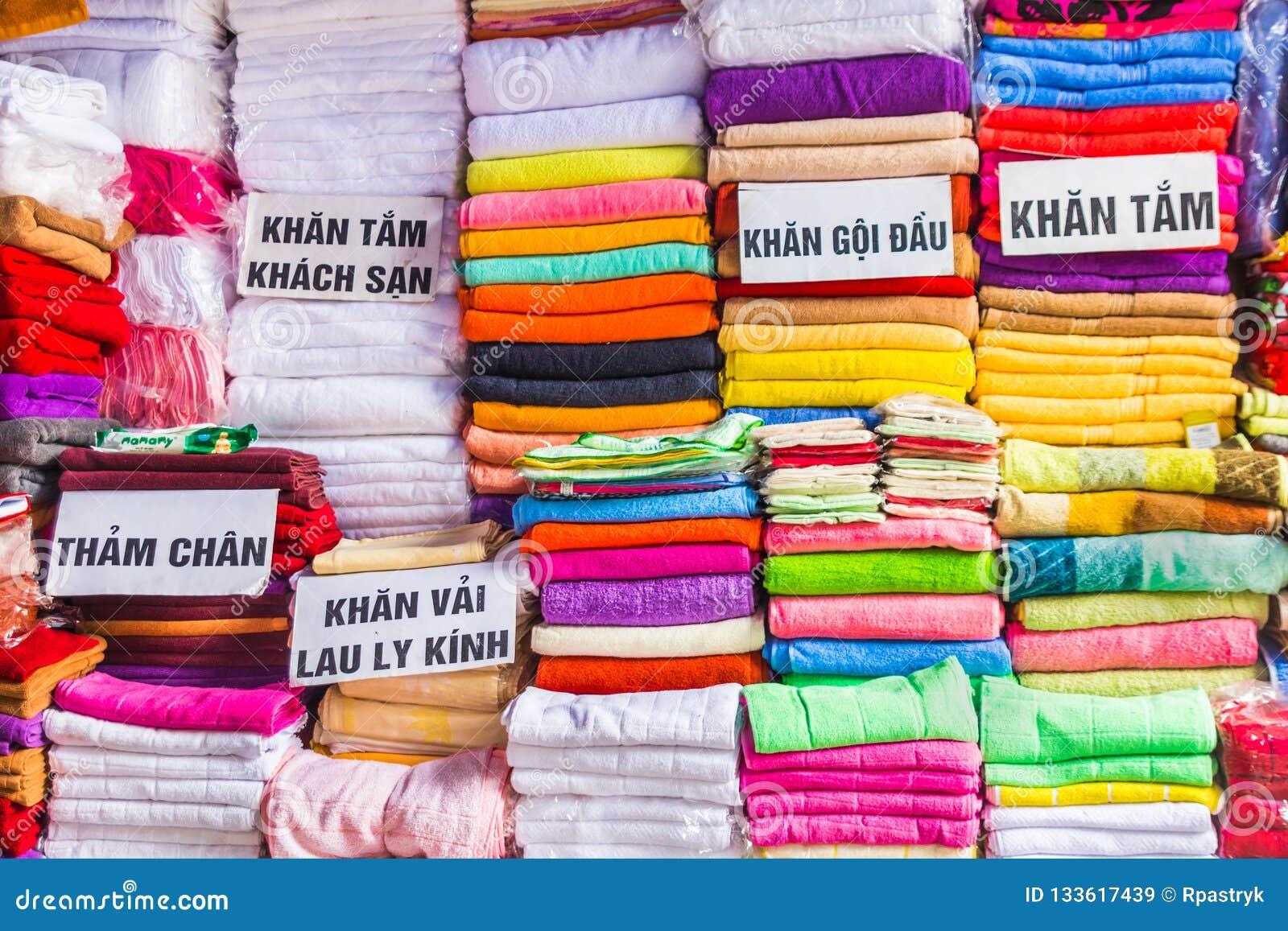 Ręczniki na bazarze w Hanoi, Wietnam